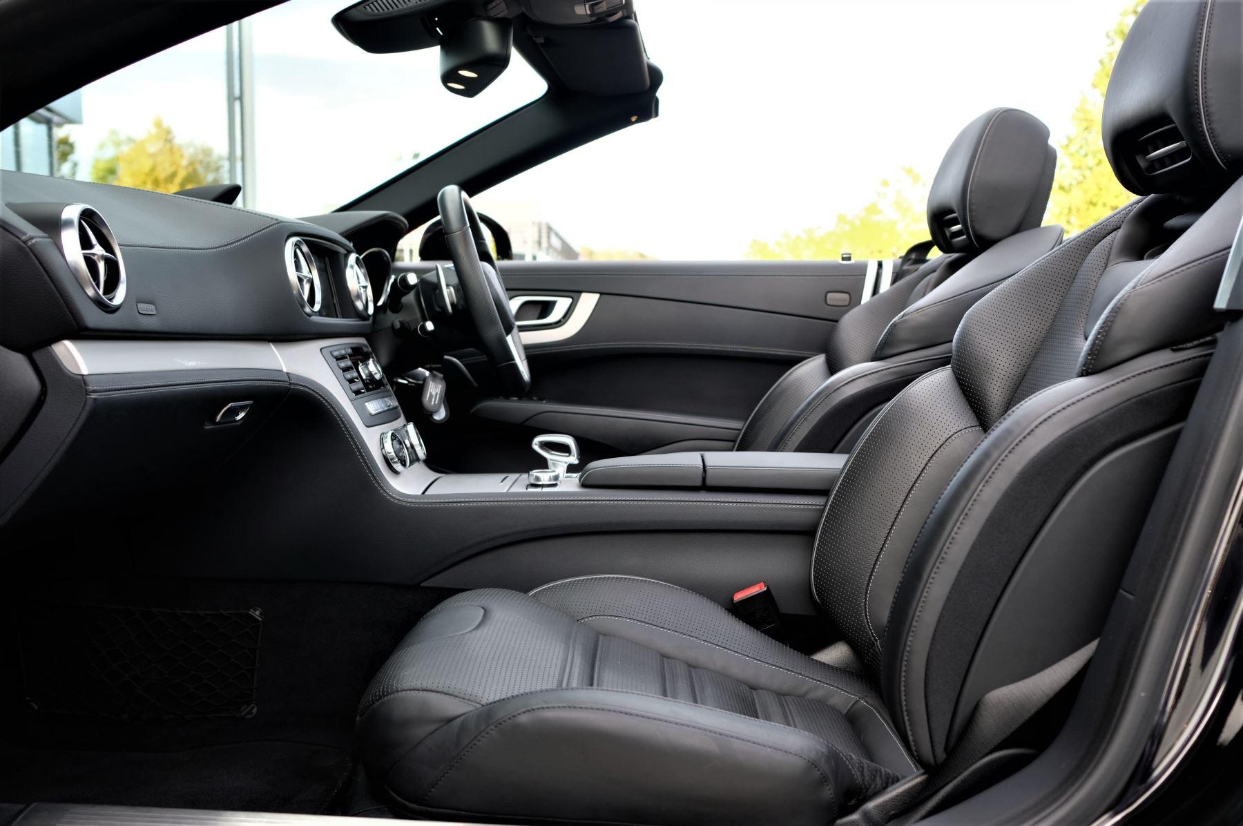 Mercedes-Benz SL-Class SL63 AMG [585] 2dr Auto image 12