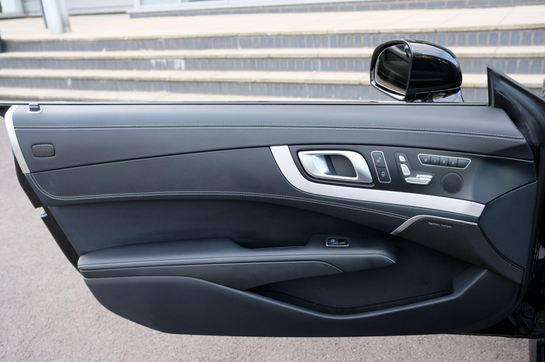 Mercedes-Benz SL-Class SL63 AMG [585] 2dr Auto image 14
