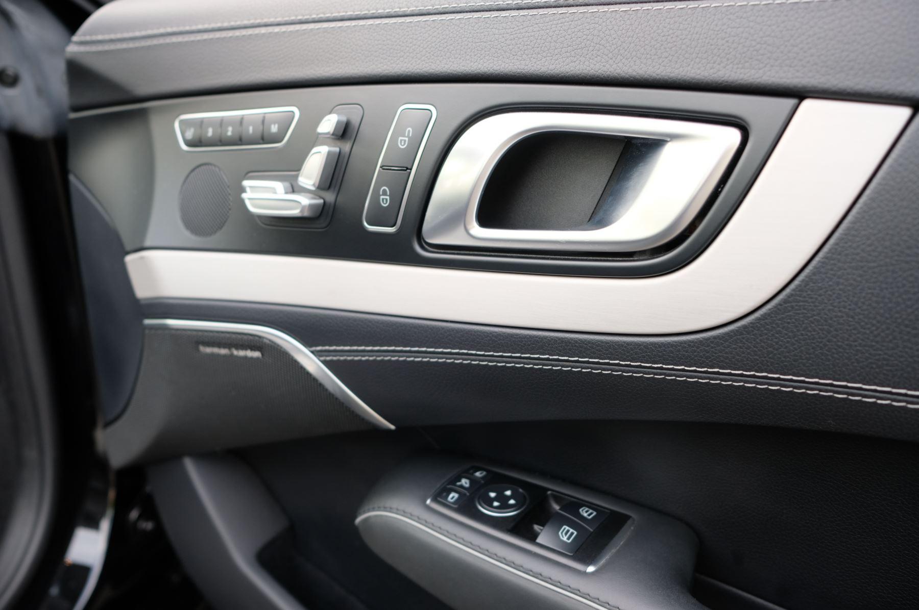Mercedes-Benz SL-Class SL63 AMG [585] 2dr Auto image 16