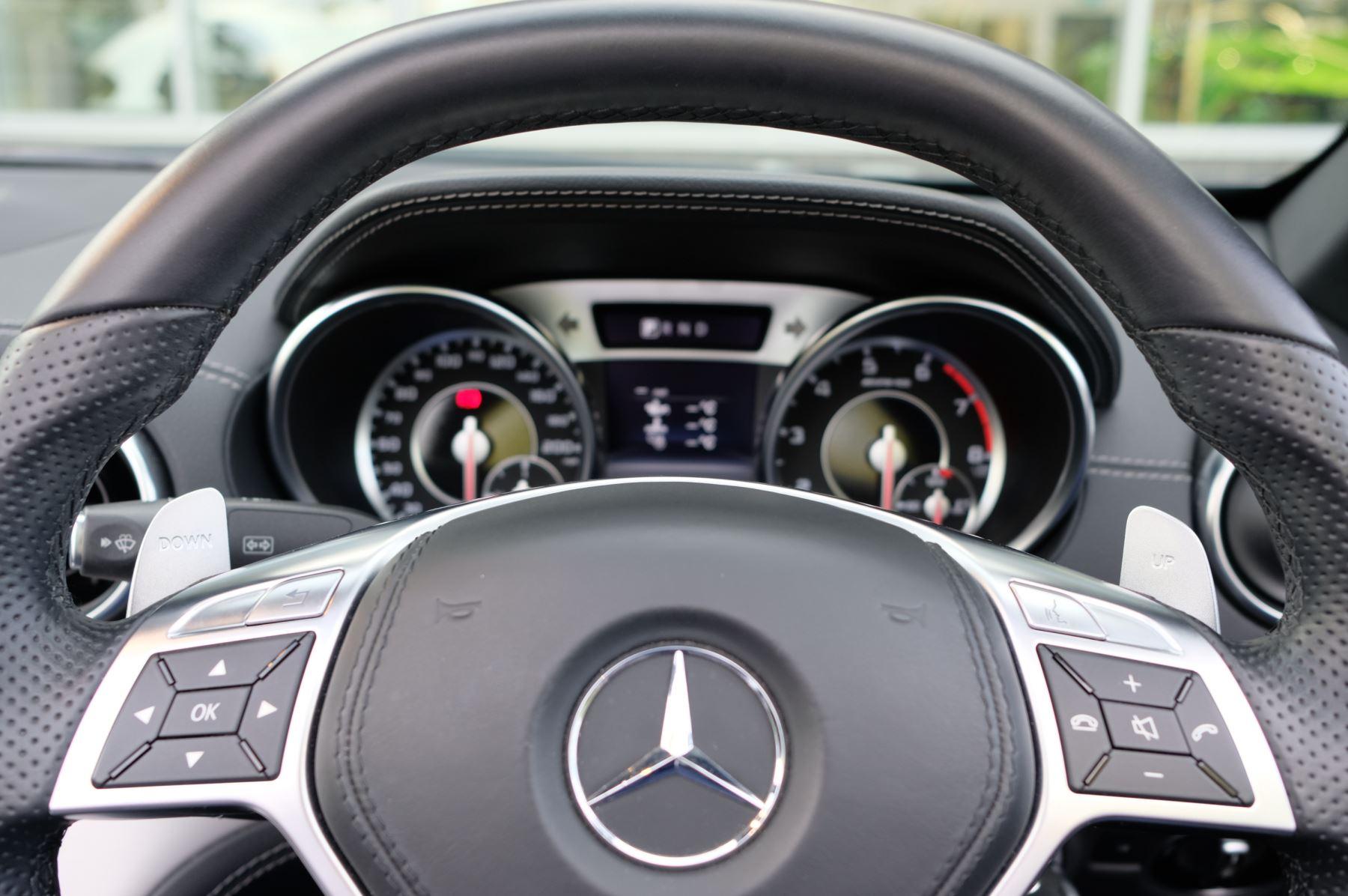 Mercedes-Benz SL-Class SL63 AMG [585] 2dr Auto image 18