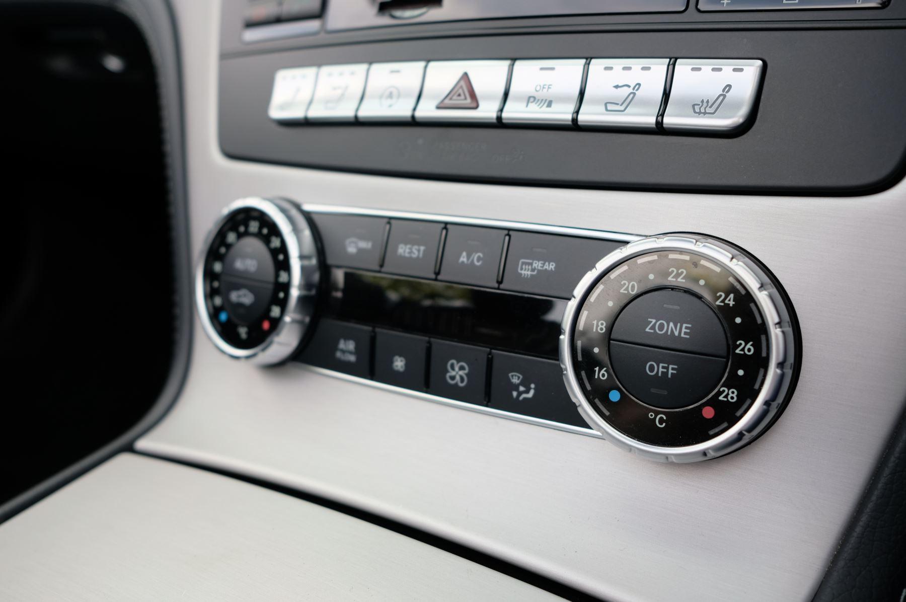 Mercedes-Benz SL-Class SL63 AMG [585] 2dr Auto image 22