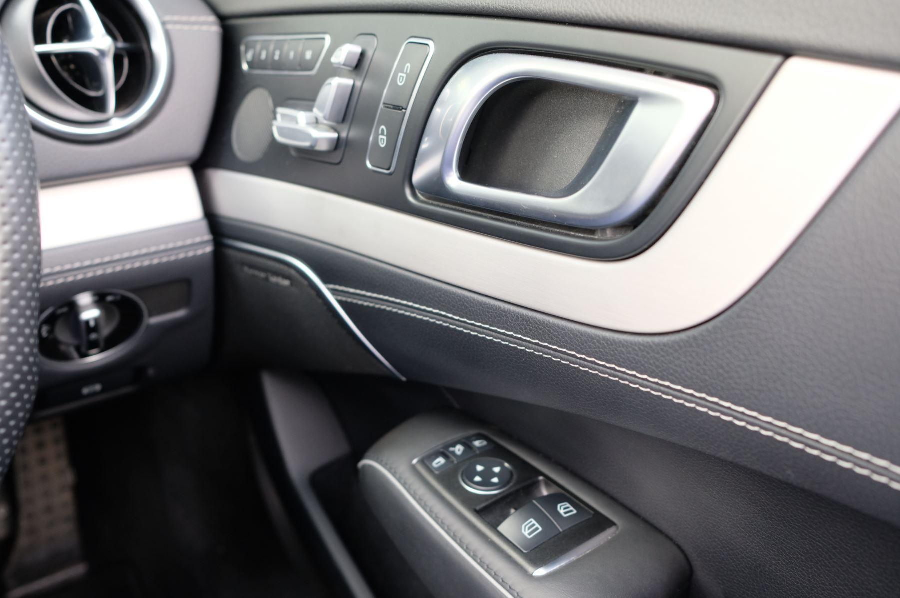 Mercedes-Benz SL-Class SL63 AMG [585] 2dr Auto image 26