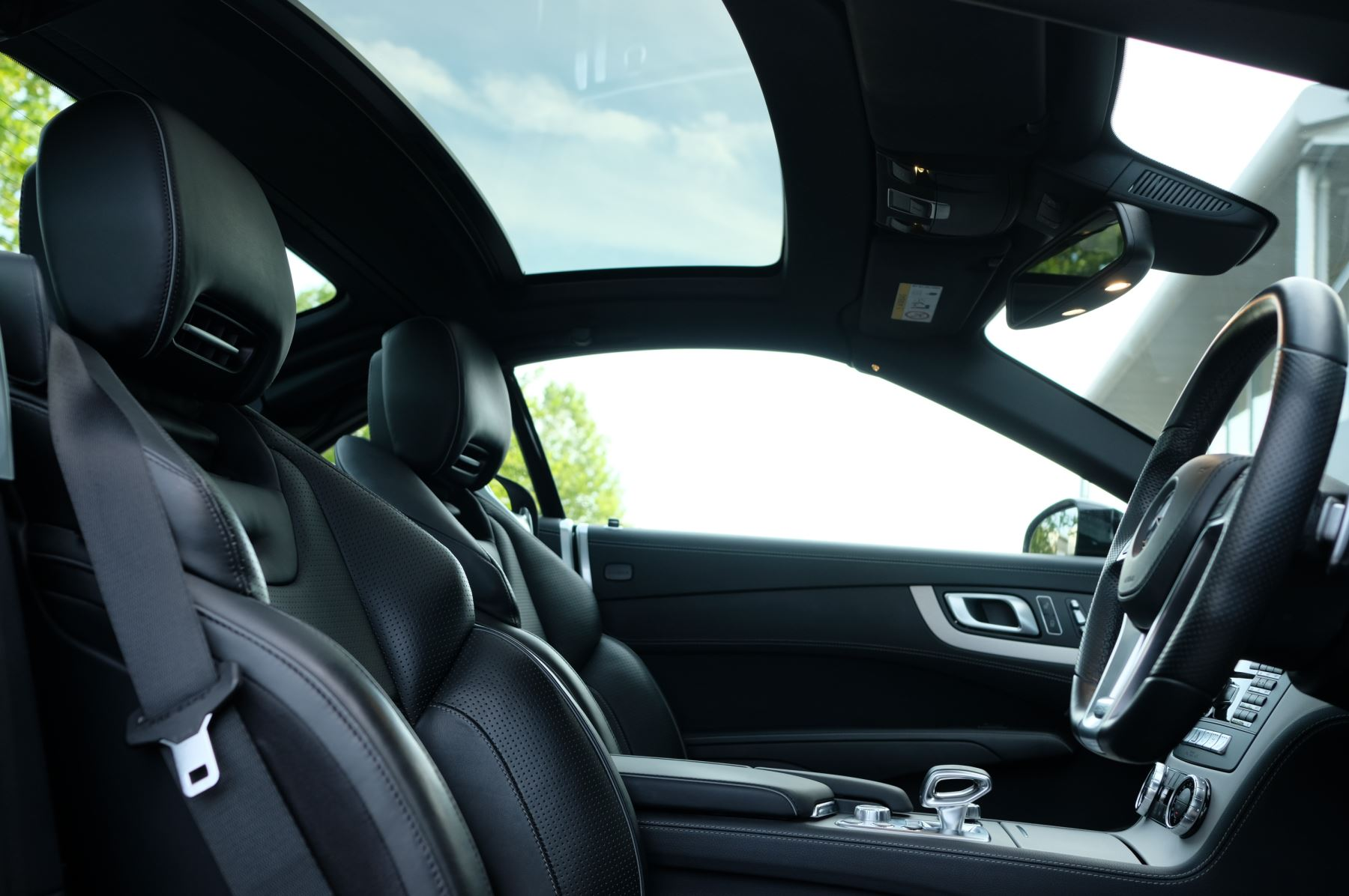 Mercedes-Benz SL-Class SL63 AMG [585] 2dr Auto image 31