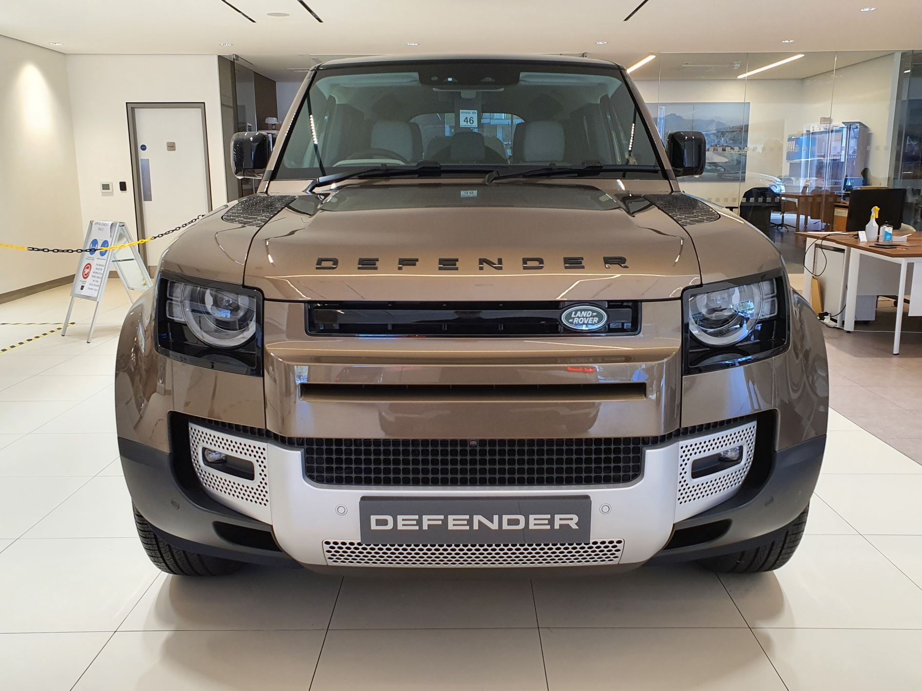 Land Rover Defender 2.0 D240 First Edition 110 SPECIAL EDITIONS image 6