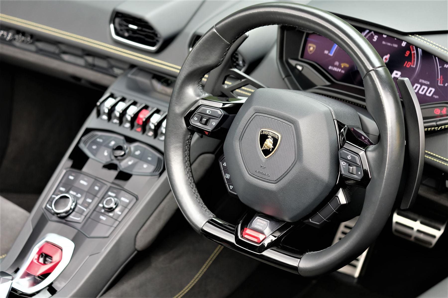 Lamborghini Huracan LP 610-4 2dr LDF image 13