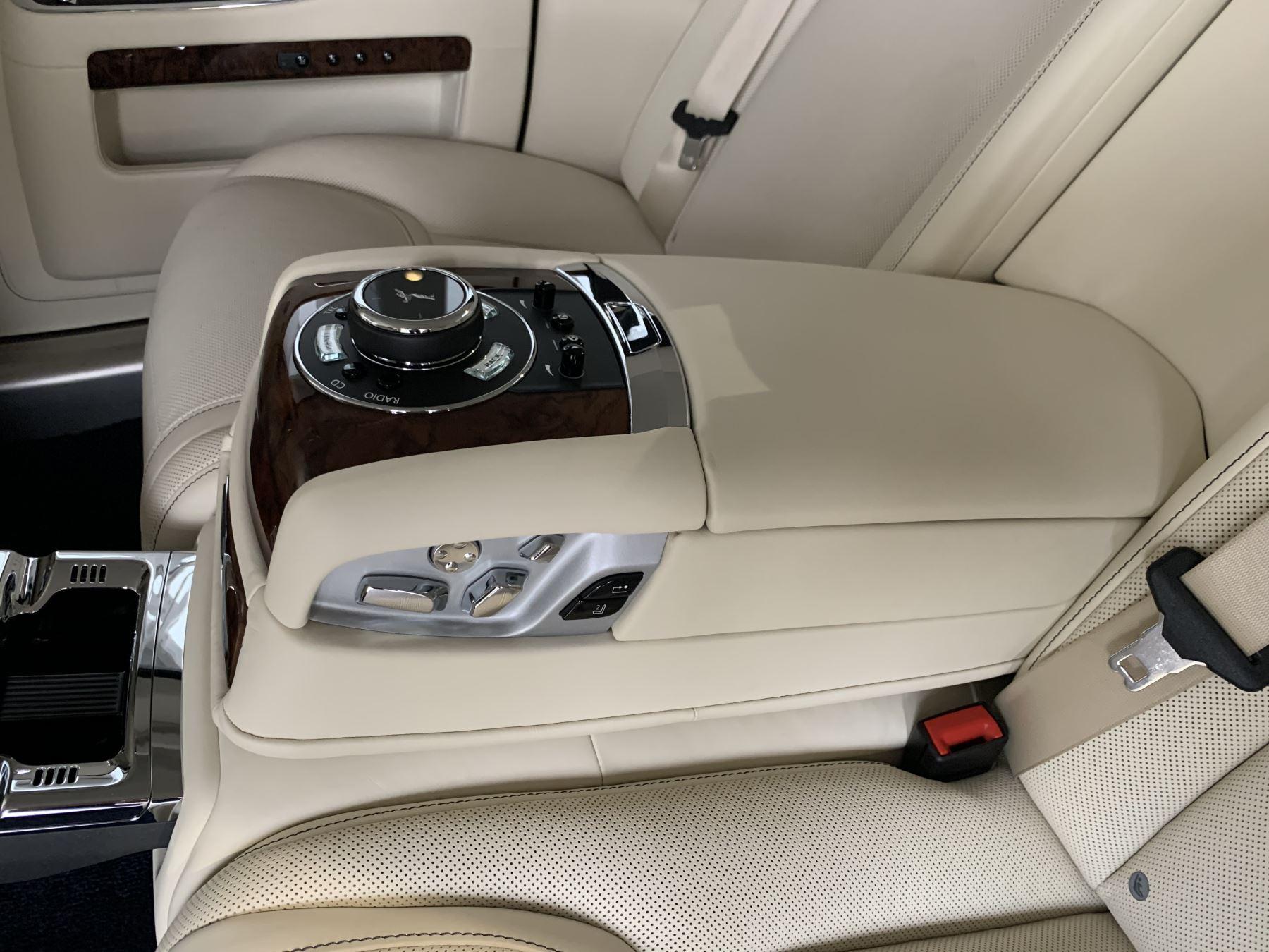 Rolls-Royce Ghost V12 AUTO image 22