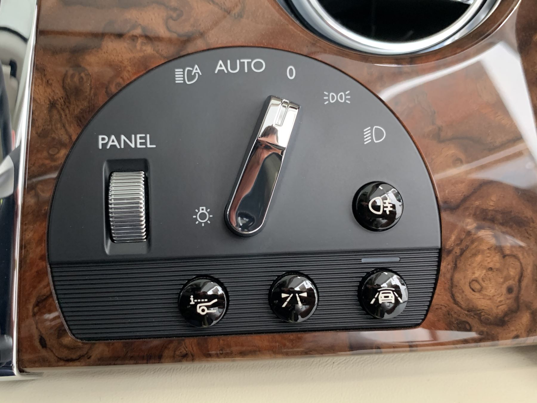 Rolls-Royce Ghost V12 AUTO image 31