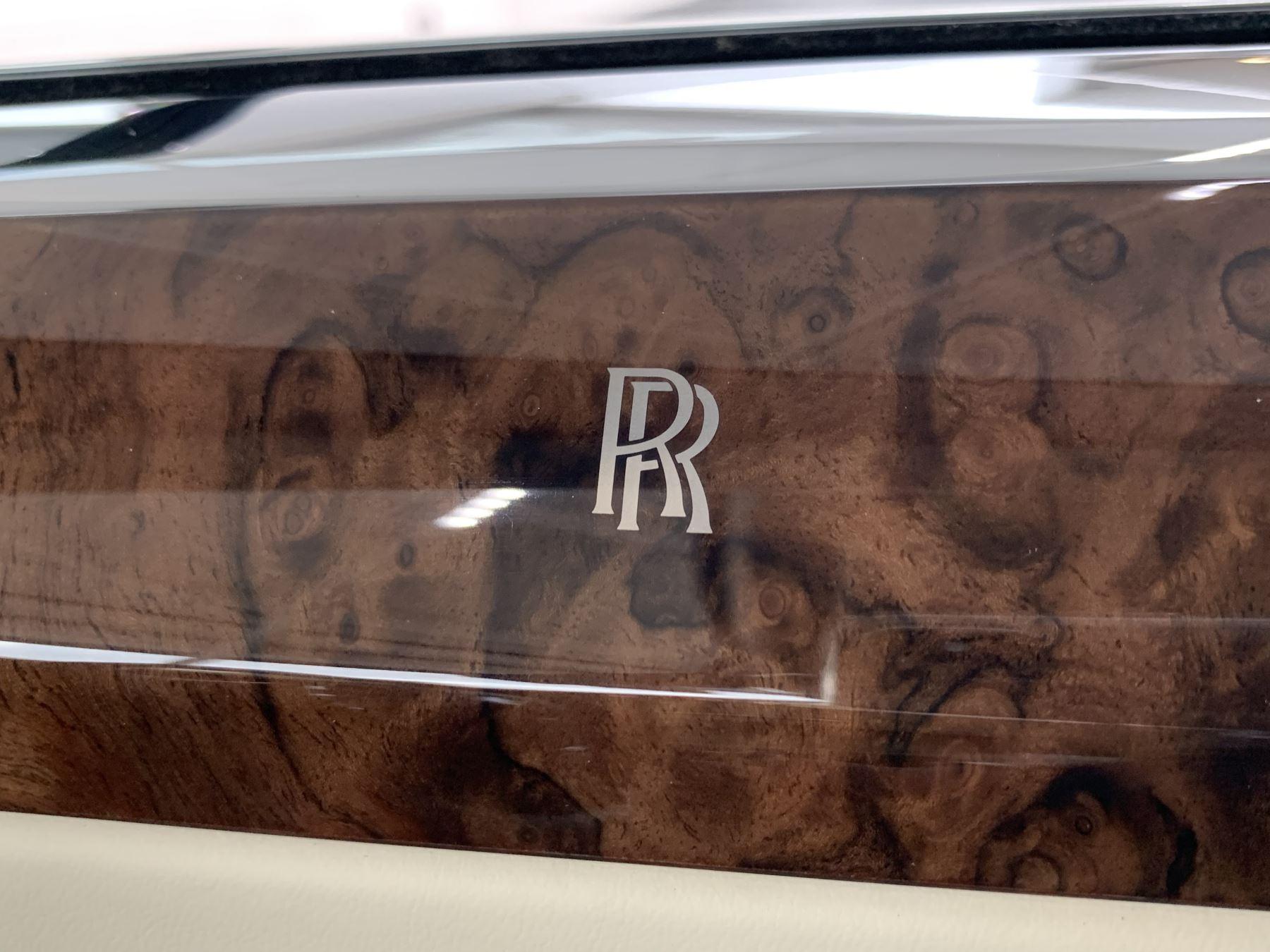 Rolls-Royce Ghost V12 AUTO image 38