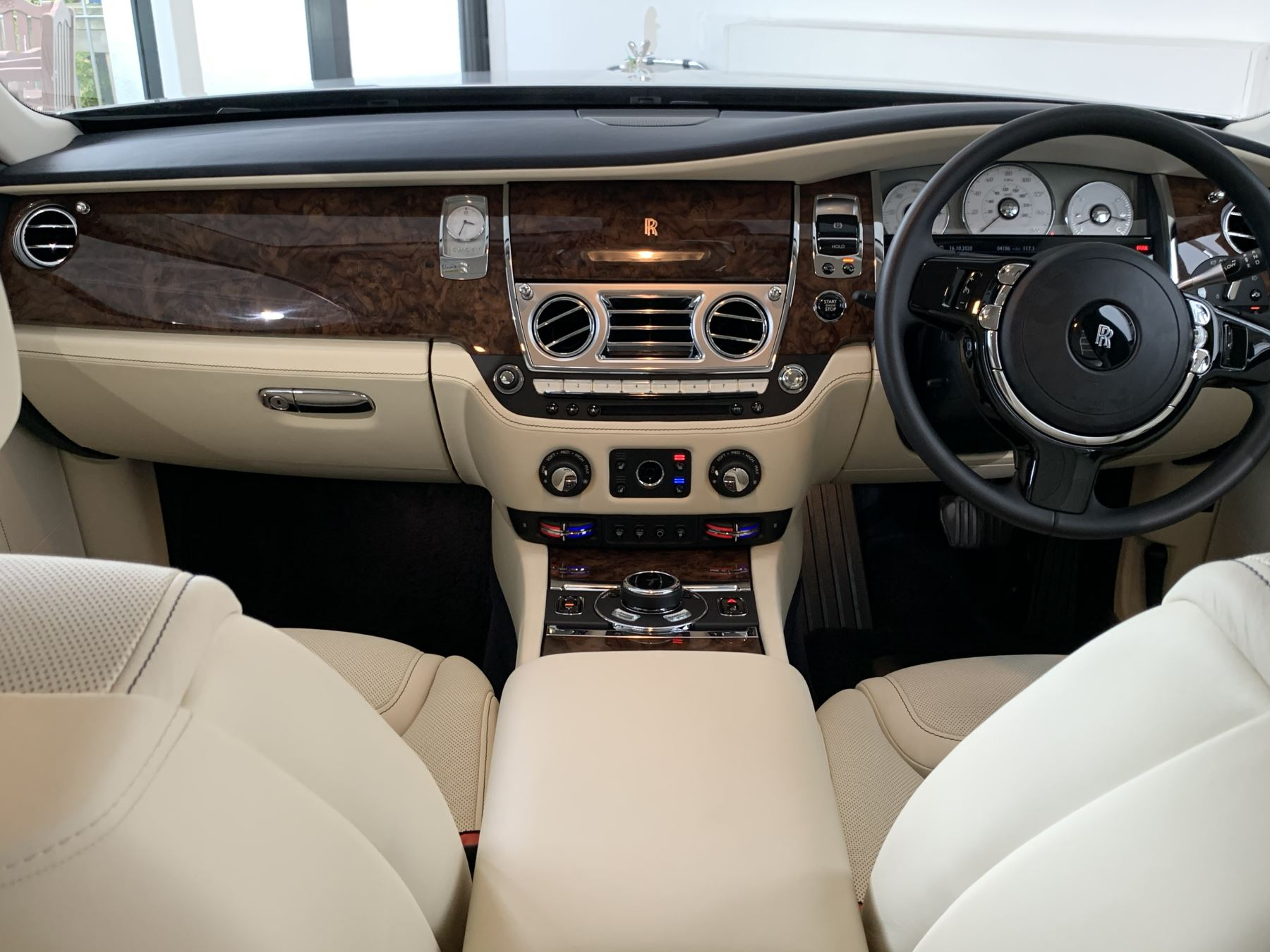 Rolls-Royce Ghost V12 AUTO image 10