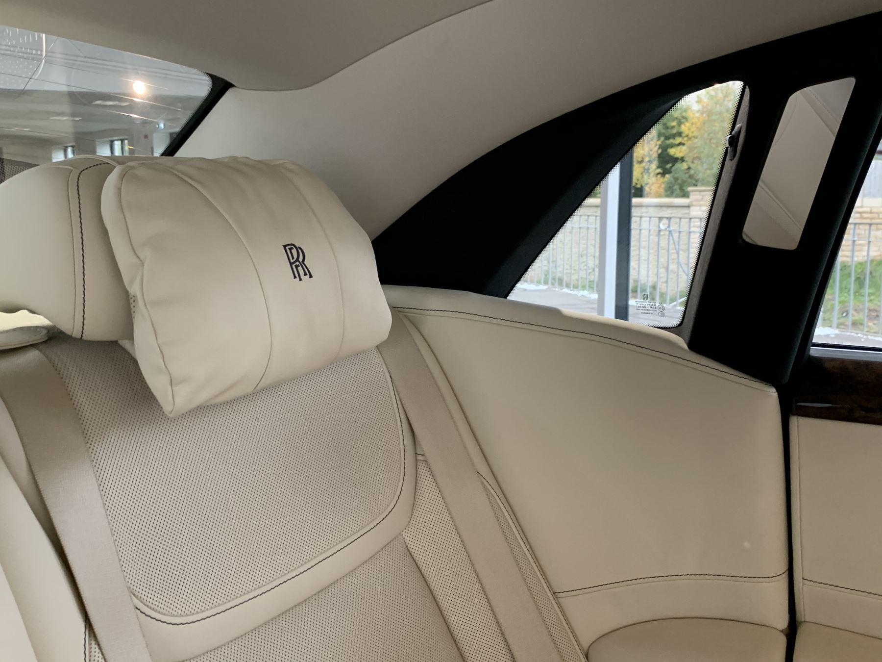 Rolls-Royce Ghost V12 AUTO image 40