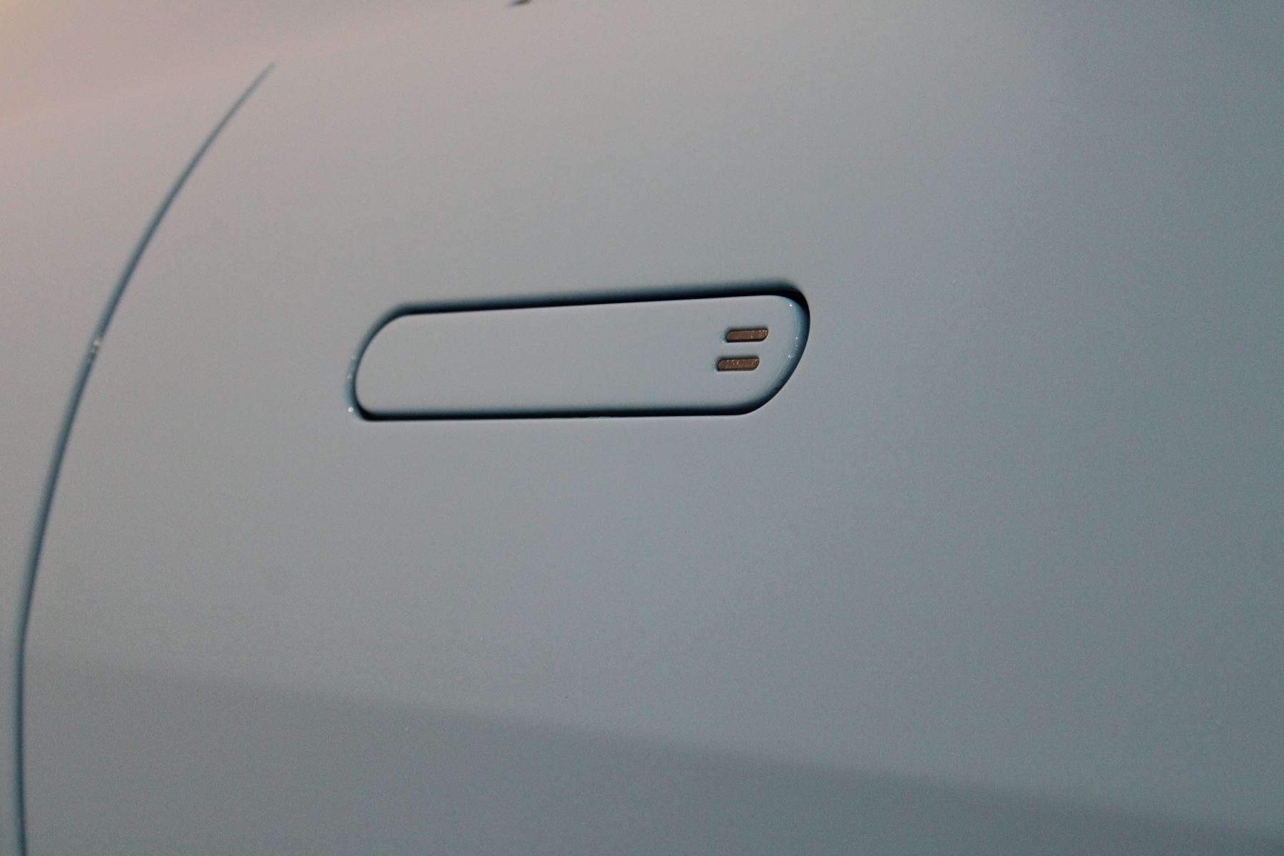 Aston Martin New Vantage 2dr image 14