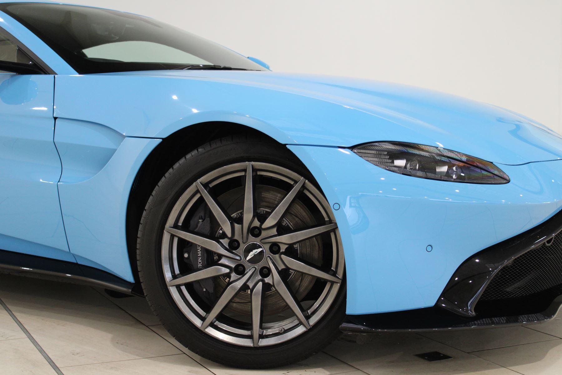 Aston Martin New Vantage 2dr image 10