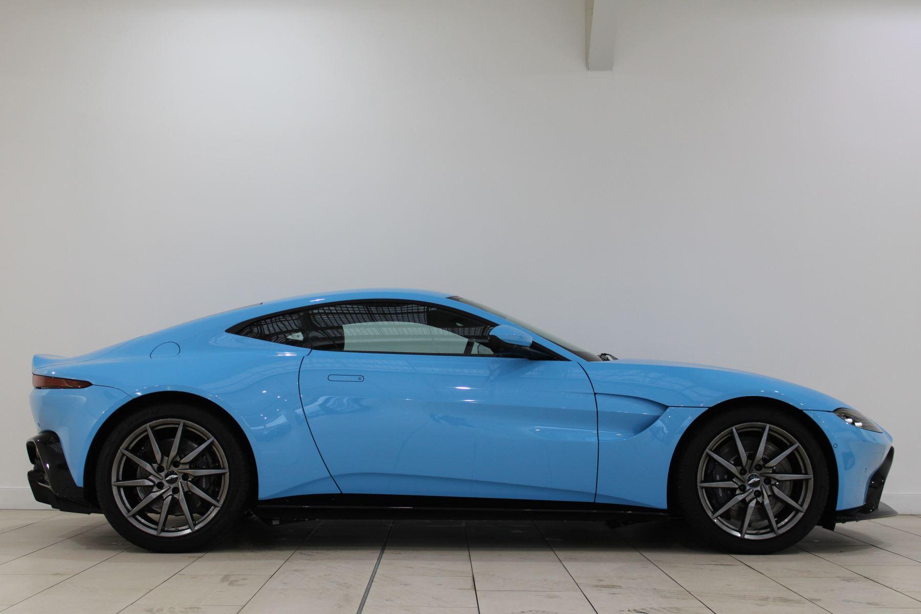 Aston Martin New Vantage 2dr image 3