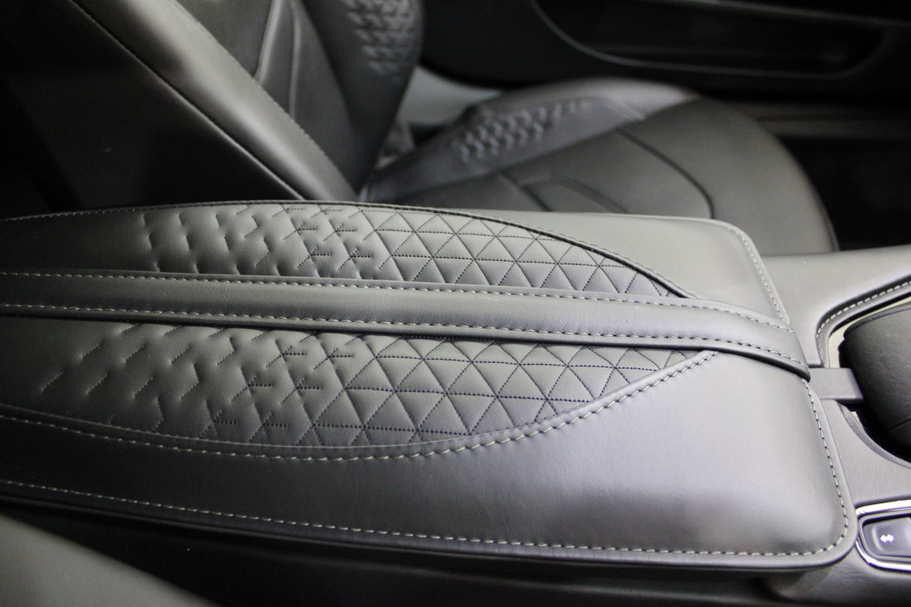 Aston Martin DBS V12 Superleggera 2dr Touchtronic image 26