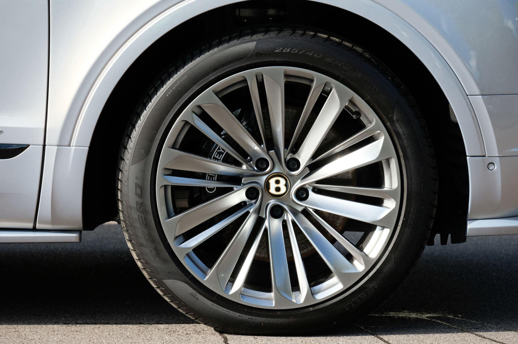 Bentley Bentayga Speed - City & Touring image 8