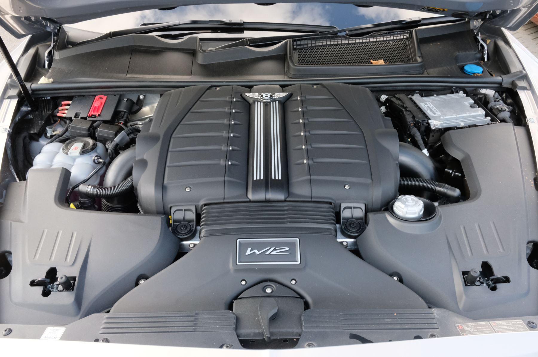 Bentley Bentayga Speed - City & Touring image 10