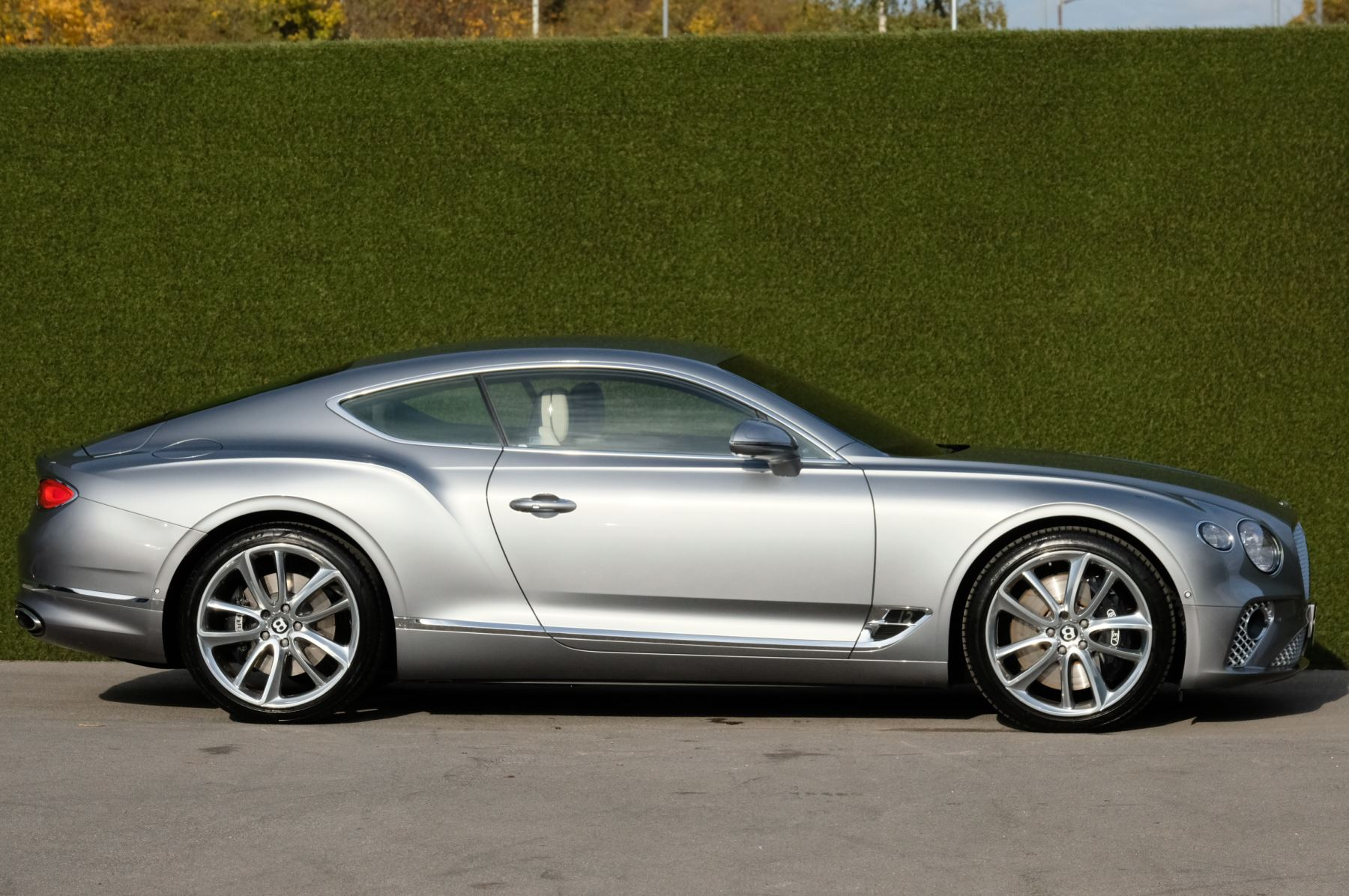 Bentley Continental GT 6.0 W12 2dr Mulliner Driving Specification image 3