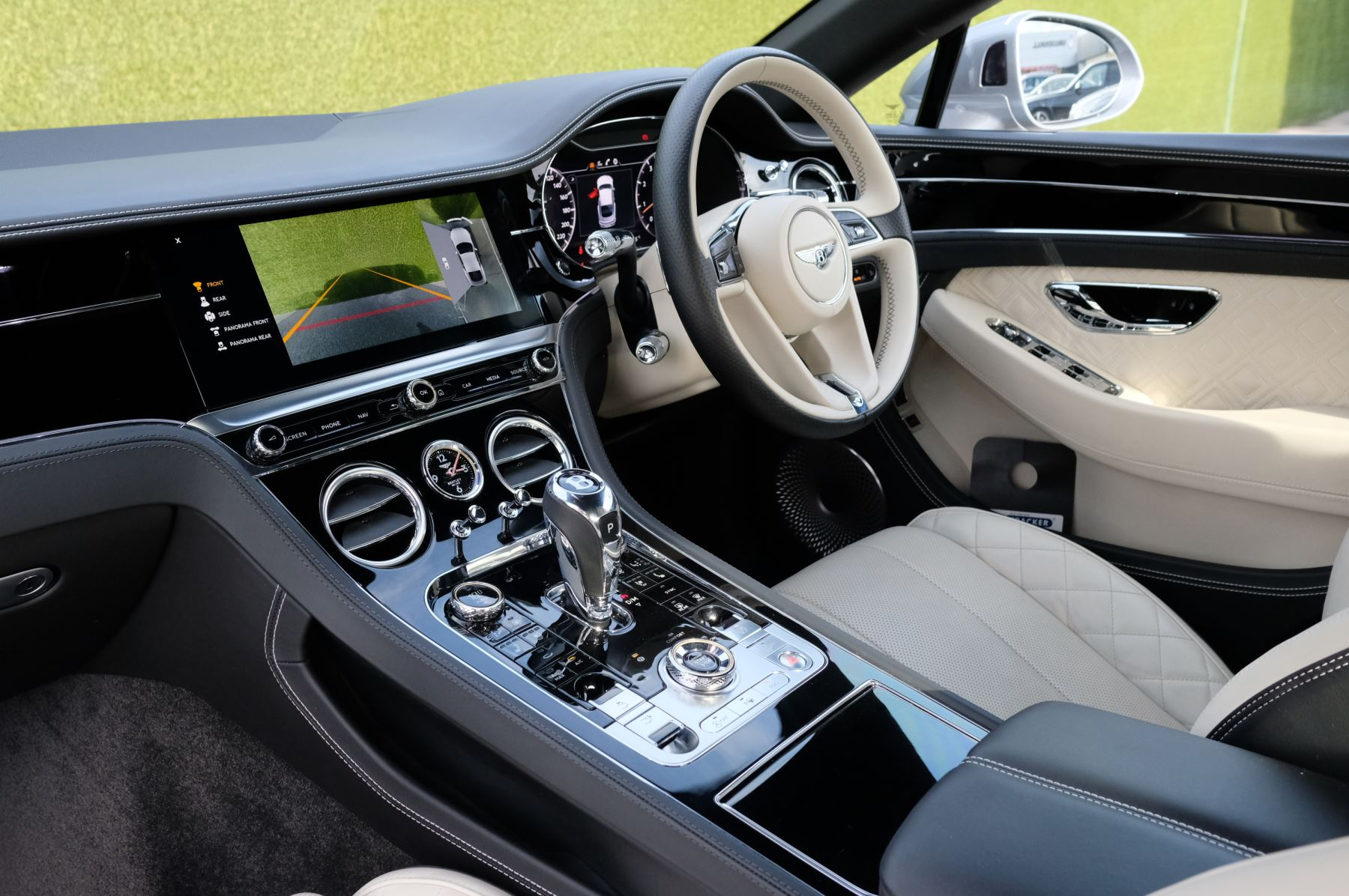 Bentley Continental GT 6.0 W12 2dr Mulliner Driving Specification image 11