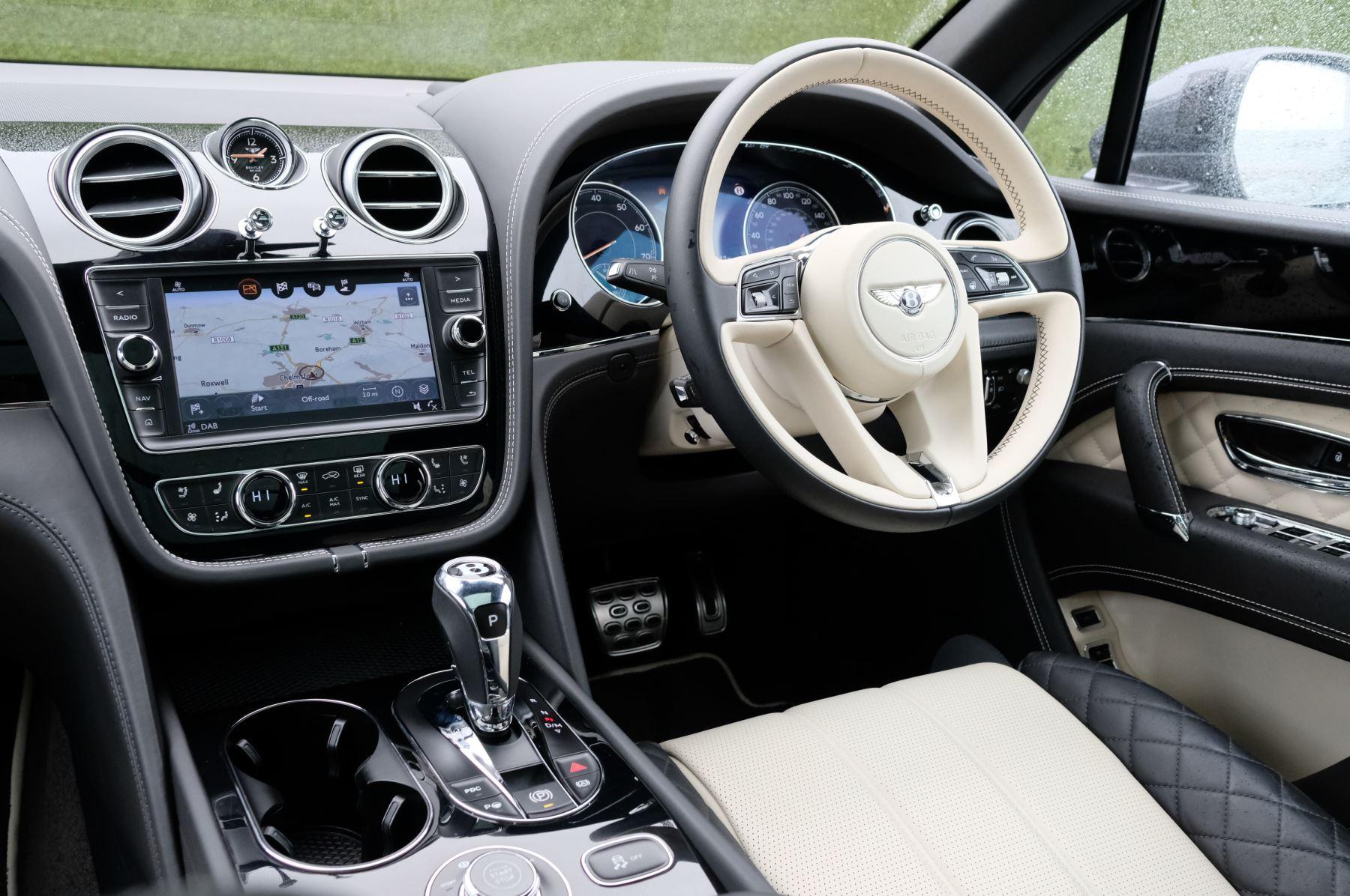 Bentley Bentayga 4.0 V8 5dr - Mulliner Driving Specification image 11