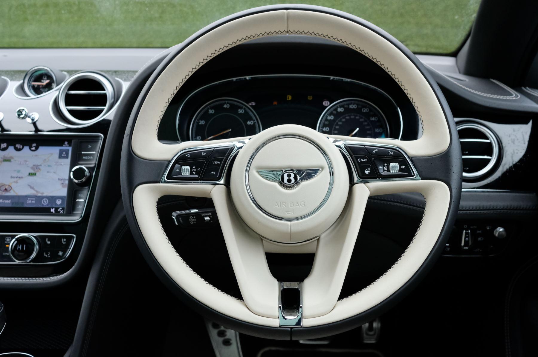 Bentley Bentayga 4.0 V8 5dr - Mulliner Driving Specification image 15