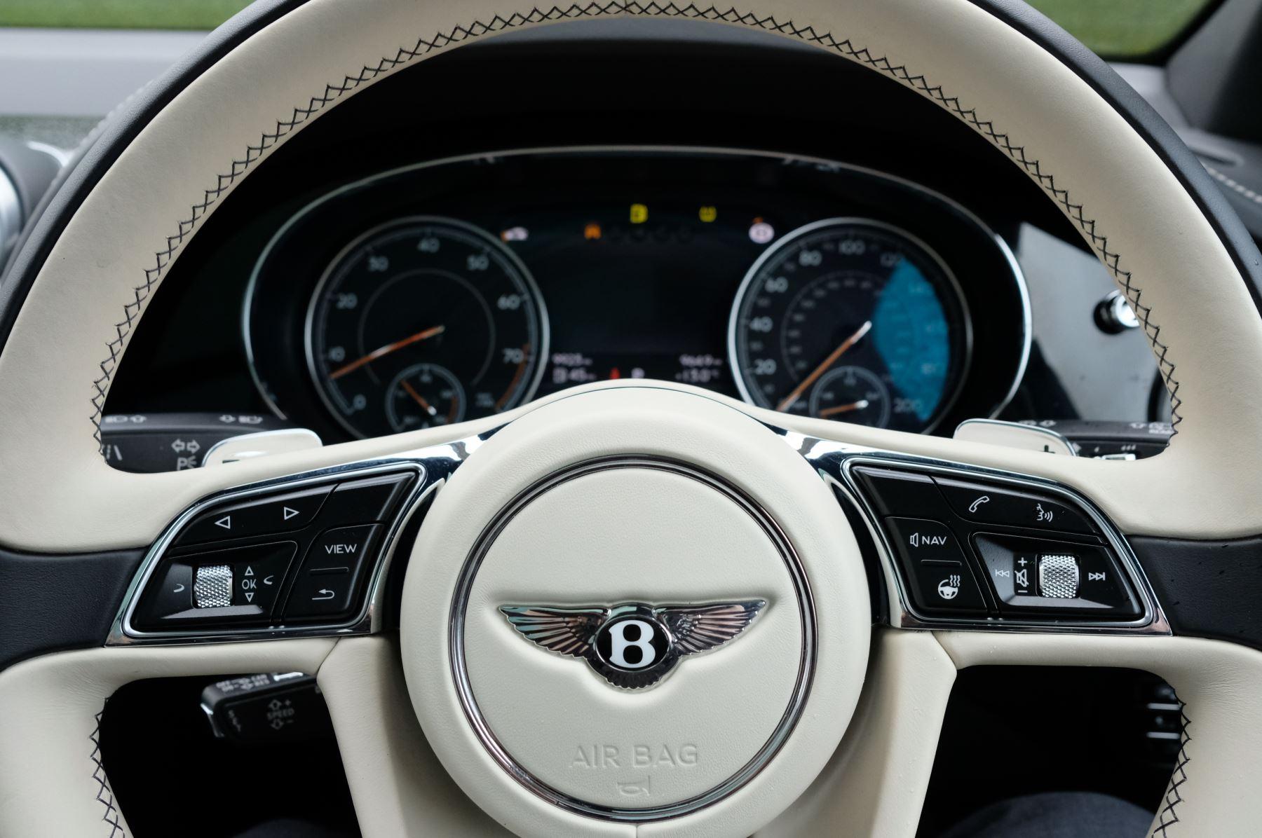 Bentley Bentayga 4.0 V8 5dr - Mulliner Driving Specification image 16