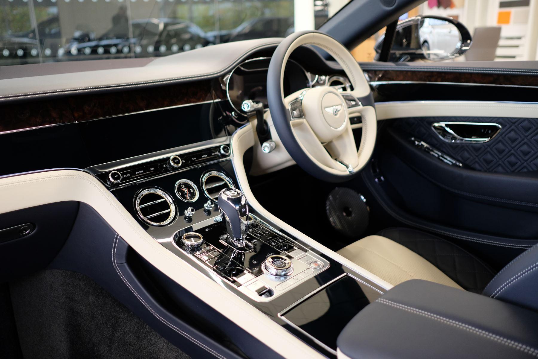 Bentley Continental GT 4.0 V8 Mulliner Edition Auto [Tour Spec] image 11