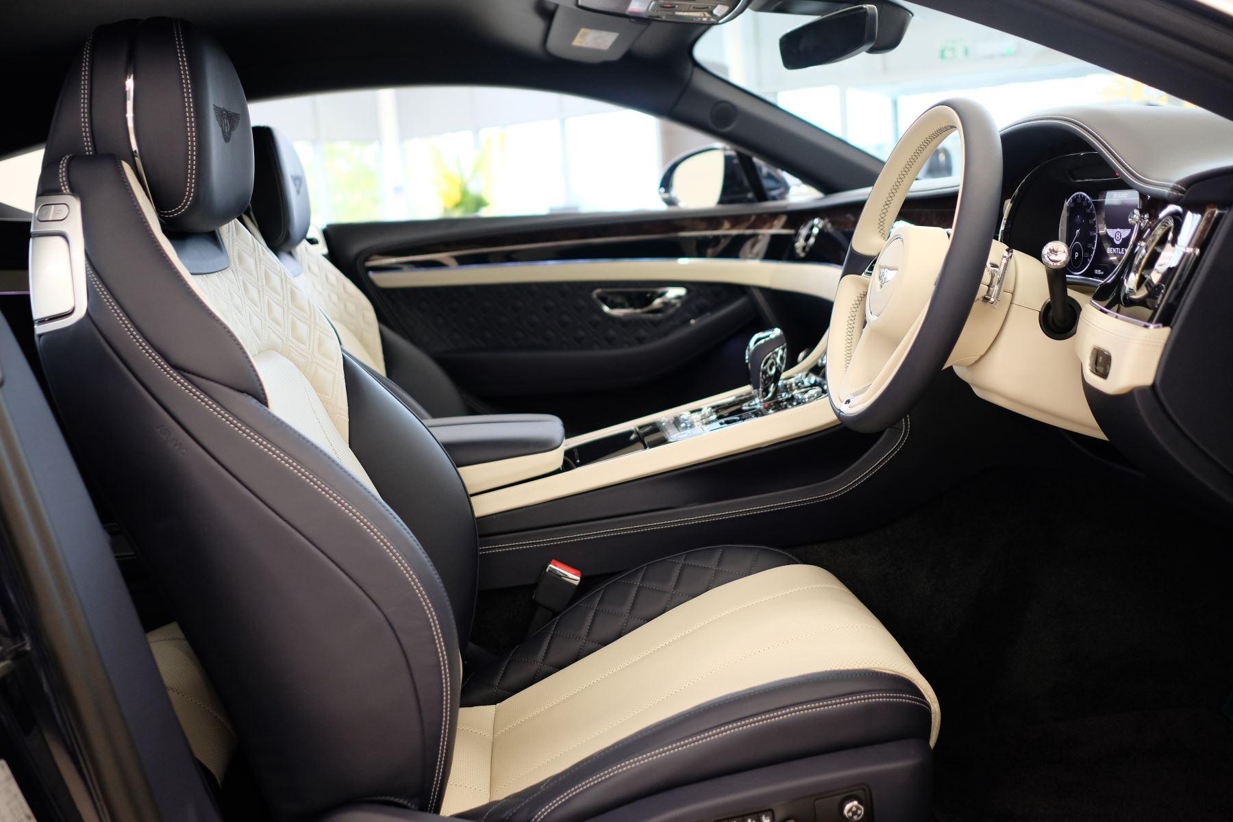 Bentley Continental GT 4.0 V8 Mulliner Edition Auto [Tour Spec] image 17
