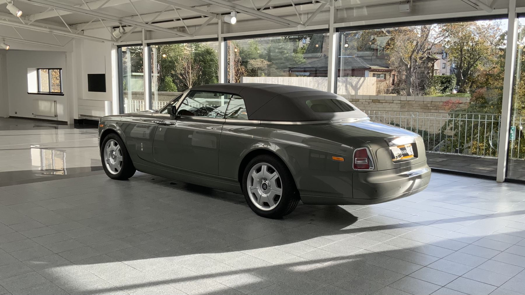 Rolls-Royce Phantom Drophead Coupe 2dr Auto image 16