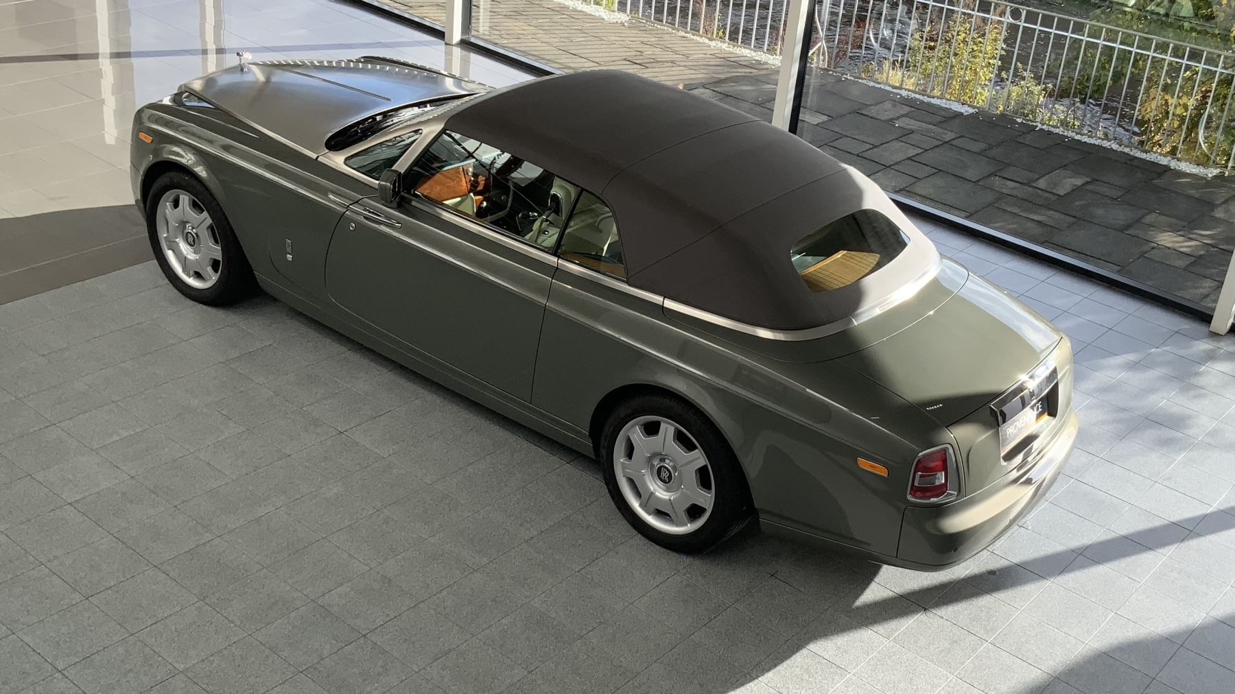 Rolls-Royce Phantom Drophead Coupe 2dr Auto image 18