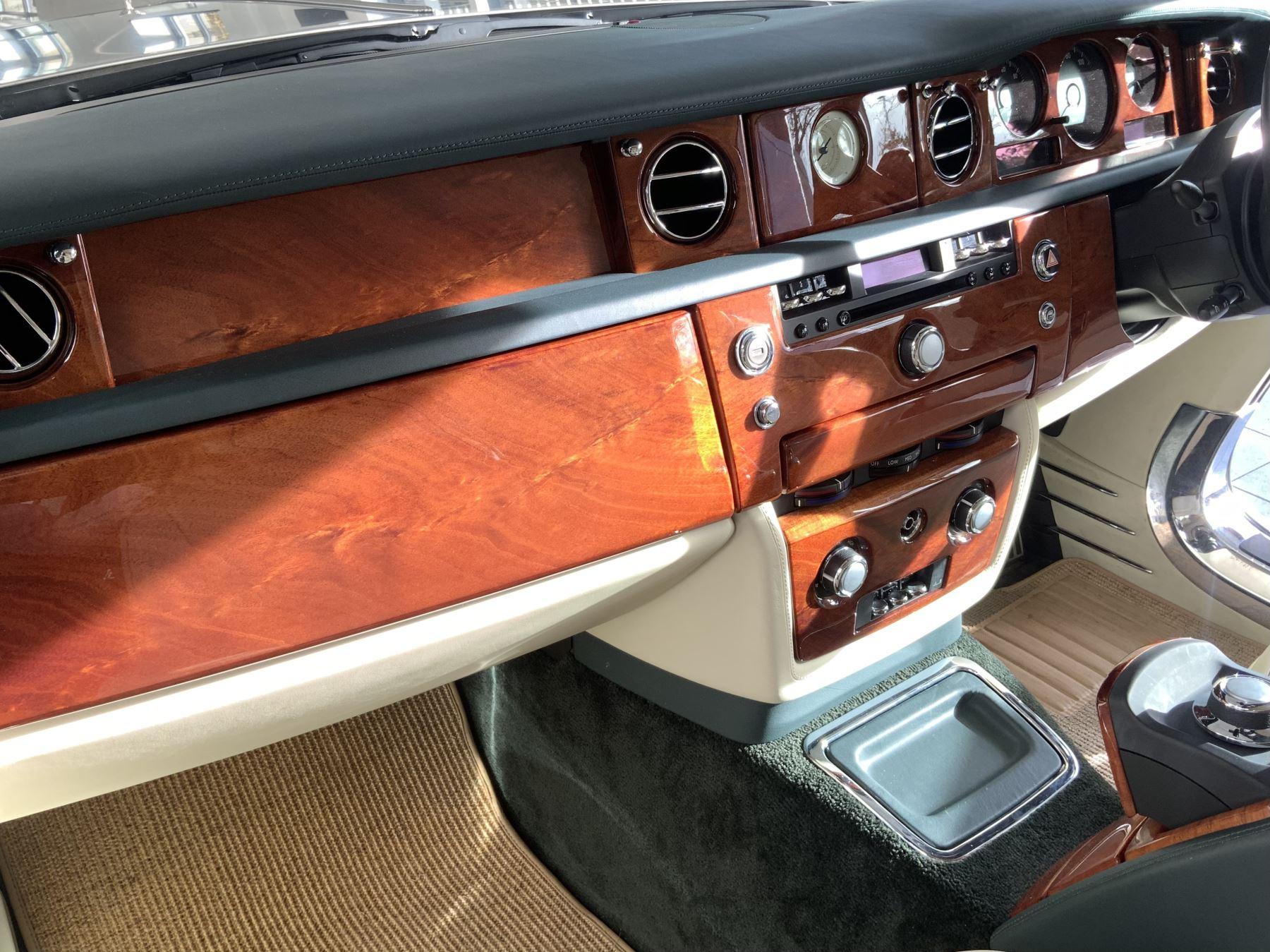 Rolls-Royce Phantom Drophead Coupe 2dr Auto image 23