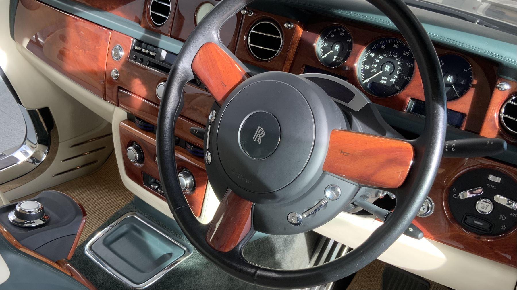 Rolls-Royce Phantom Drophead Coupe 2dr Auto image 22