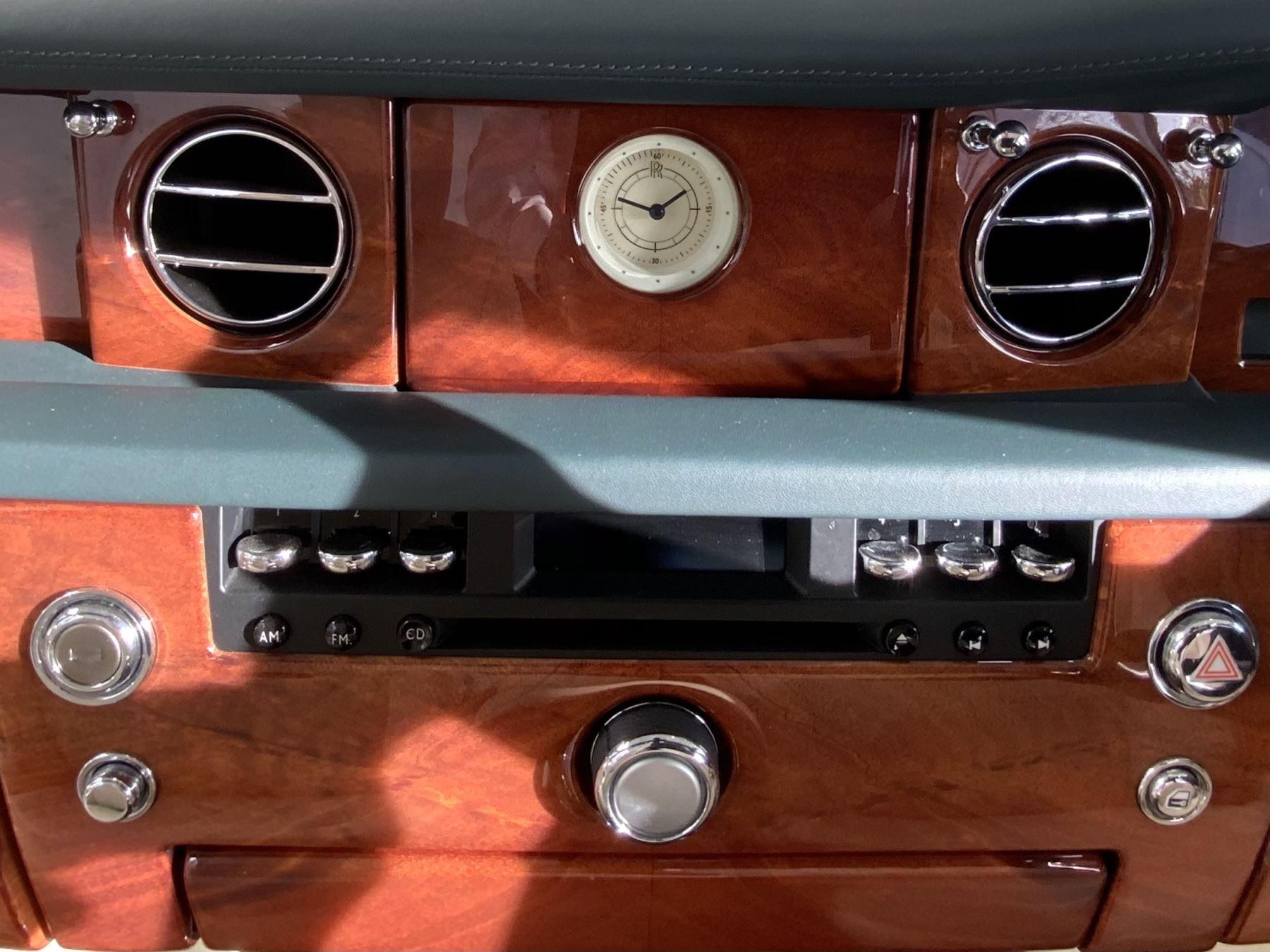 Rolls-Royce Phantom Drophead Coupe 2dr Auto image 26