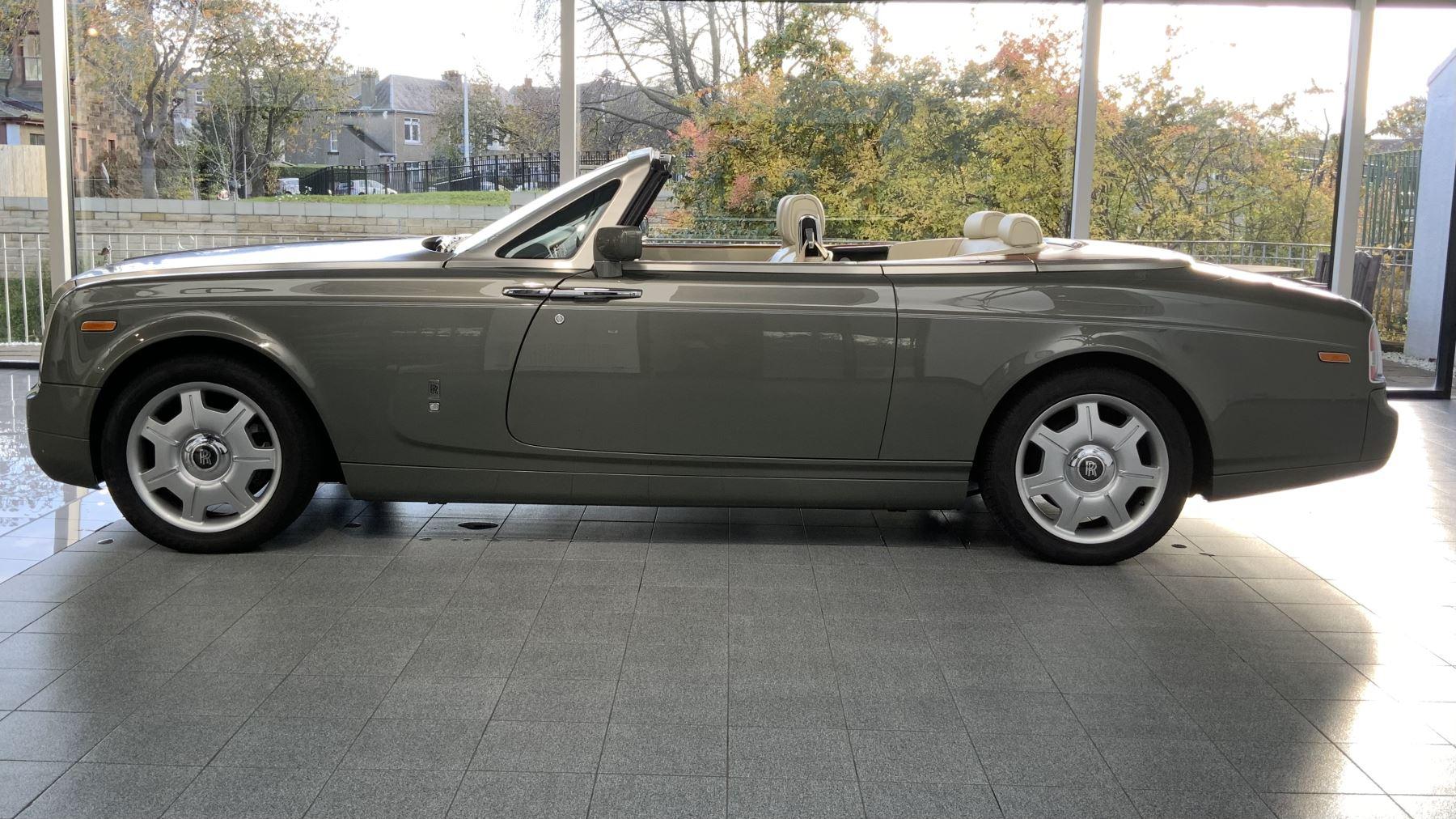 Rolls-Royce Phantom Drophead Coupe 2dr Auto 6.7 Automatic Convertible (2008)