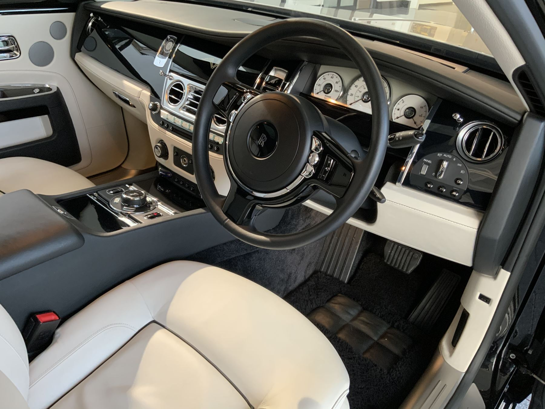 Rolls-Royce Ghost V-SPEC 4dr Auto image 5