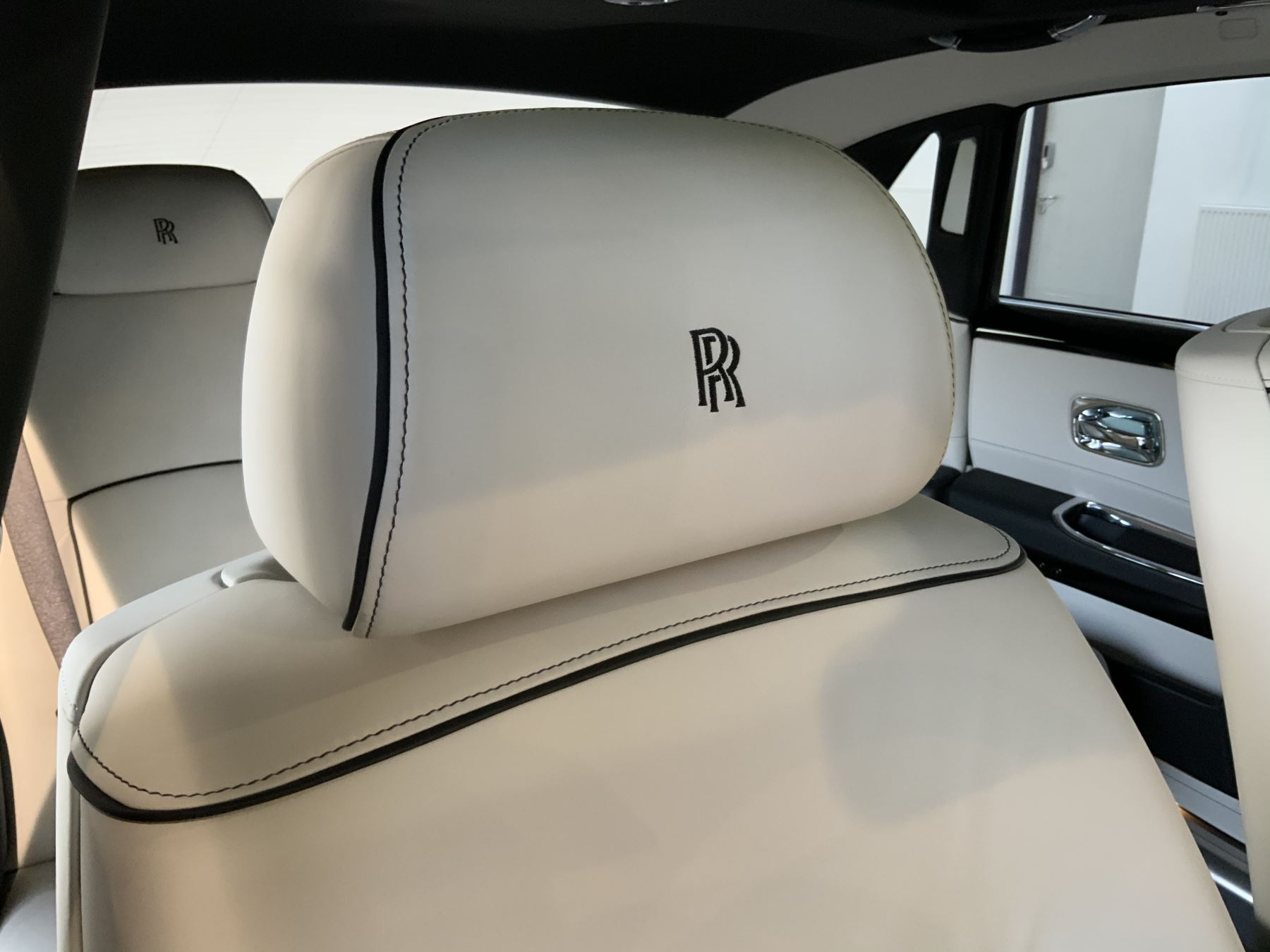 Rolls-Royce Ghost V-SPEC 4dr Auto image 22