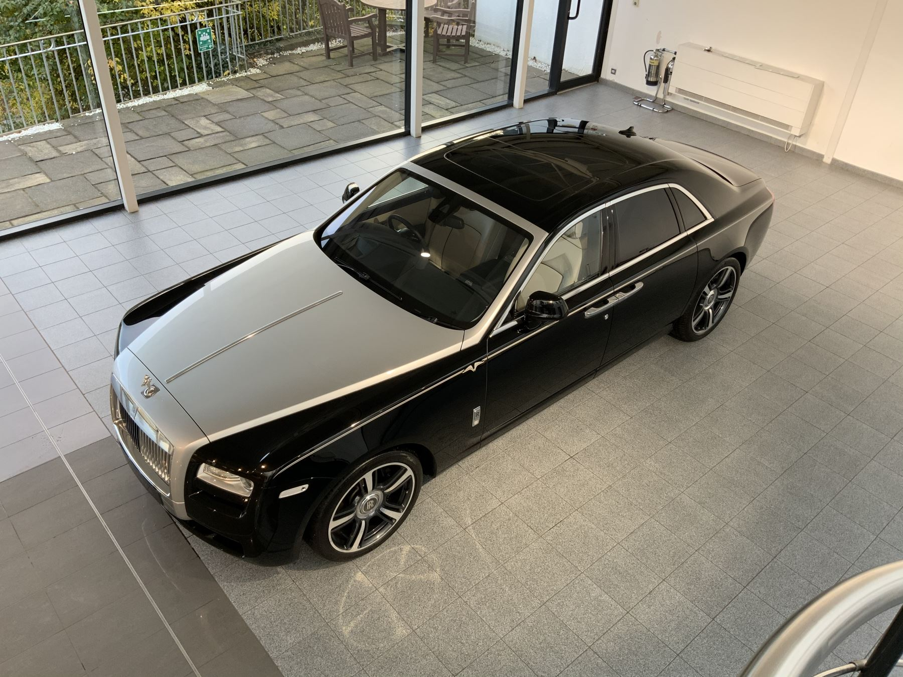 Rolls-Royce Ghost V-SPEC 4dr Auto image 23
