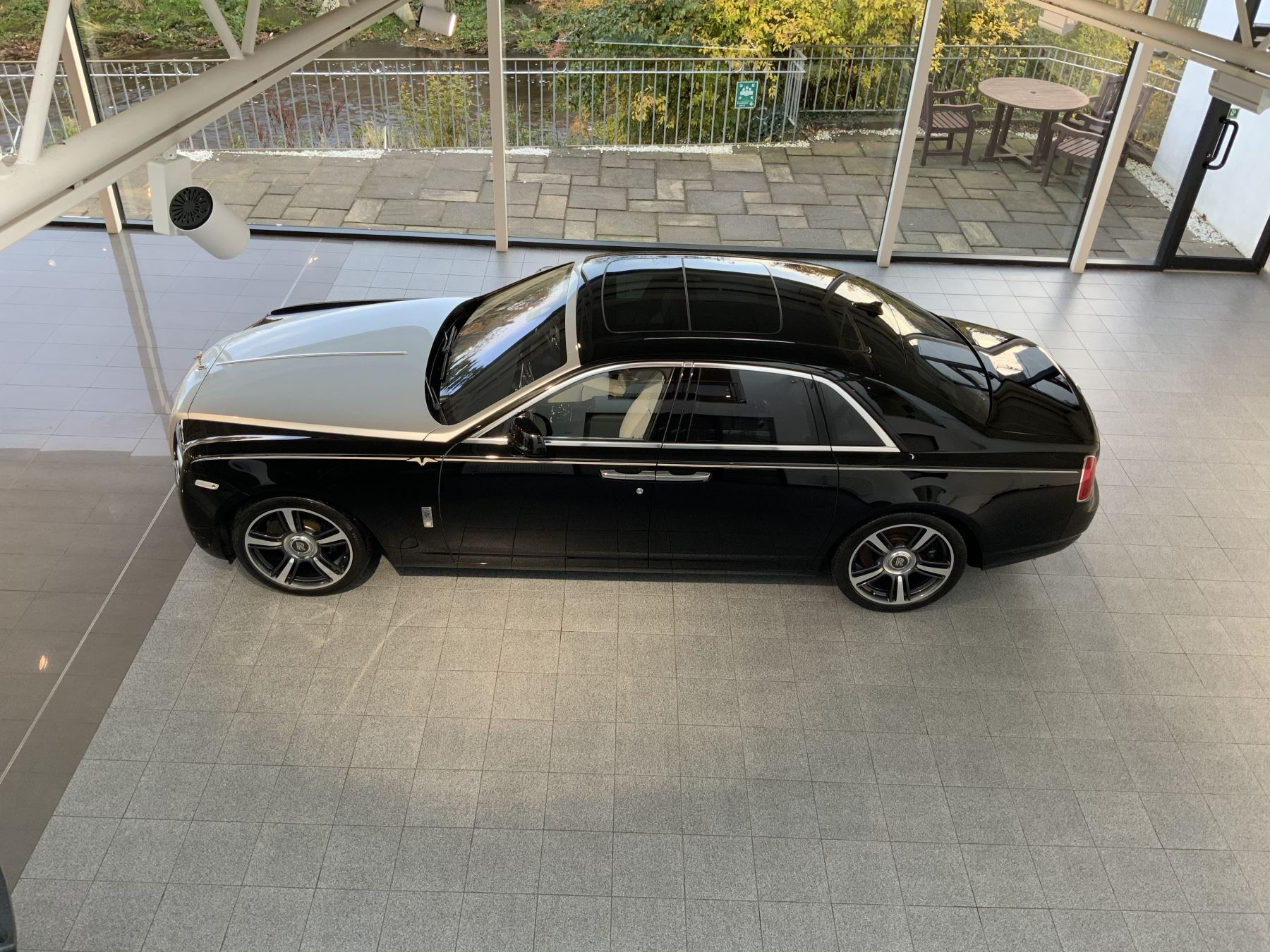 Rolls-Royce Ghost V-SPEC 4dr Auto image 24