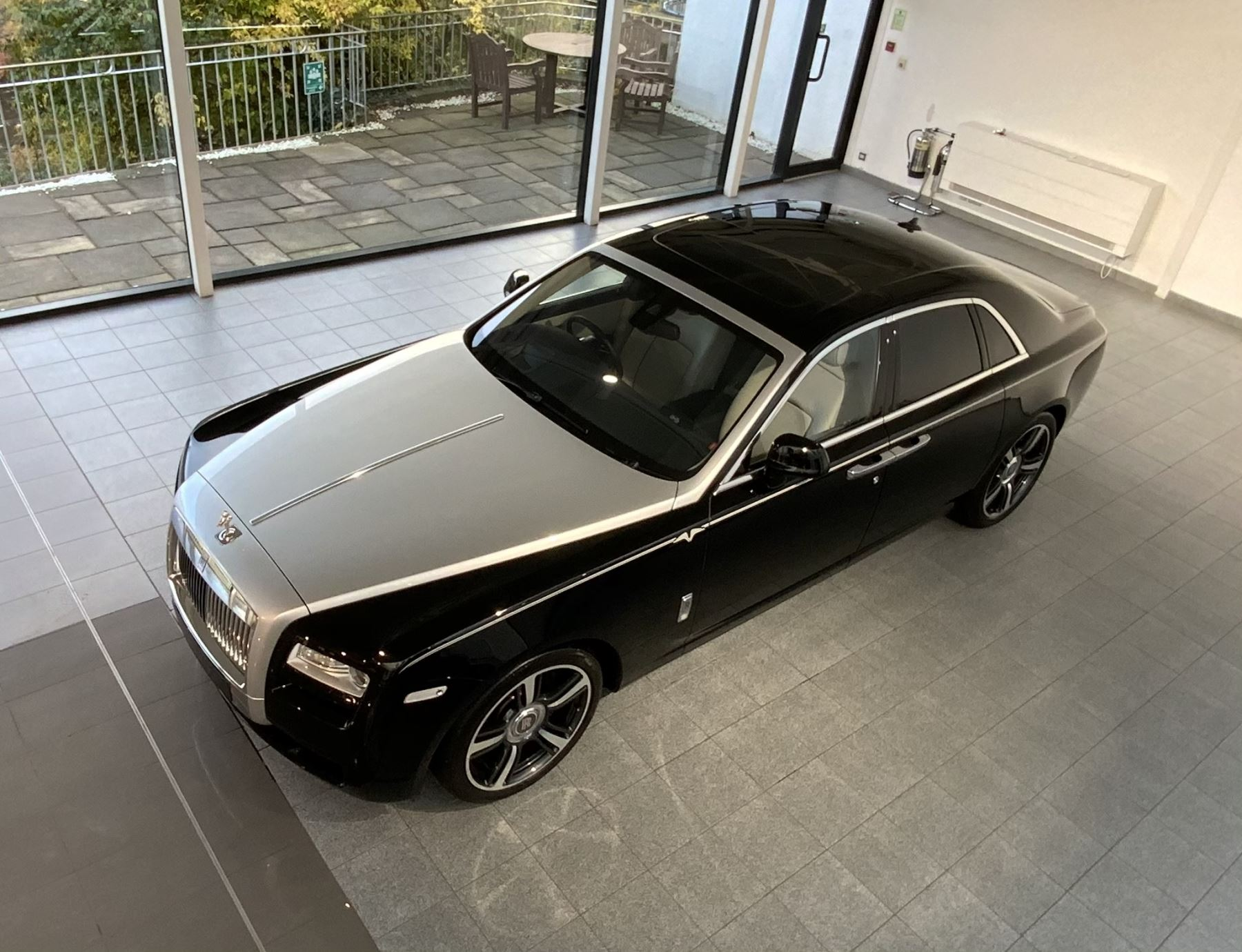 Rolls-Royce Ghost V-SPEC 4dr Auto image 4