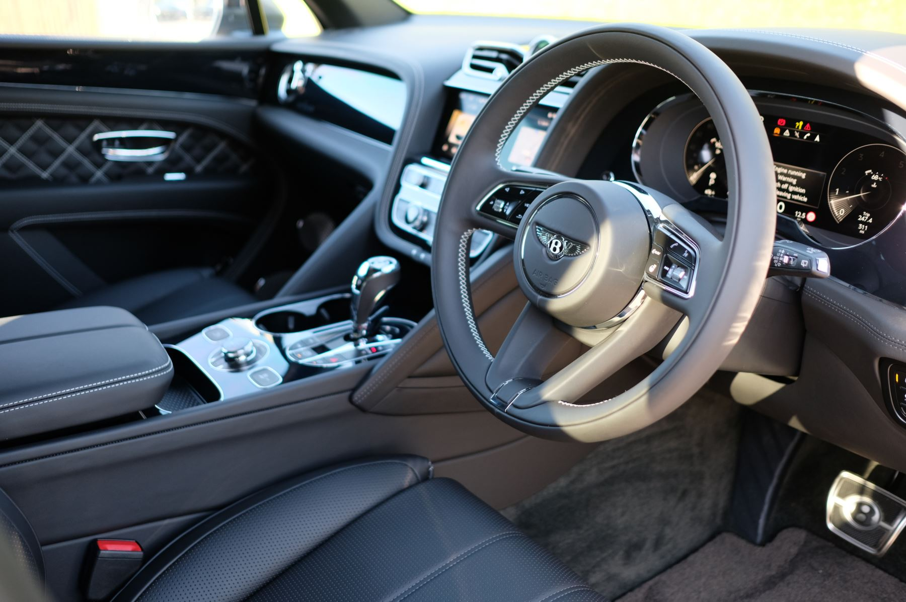 Bentley Bentayga 4.0 V8 First Edition 5dr Auto - Mulling Driving Specification image 12
