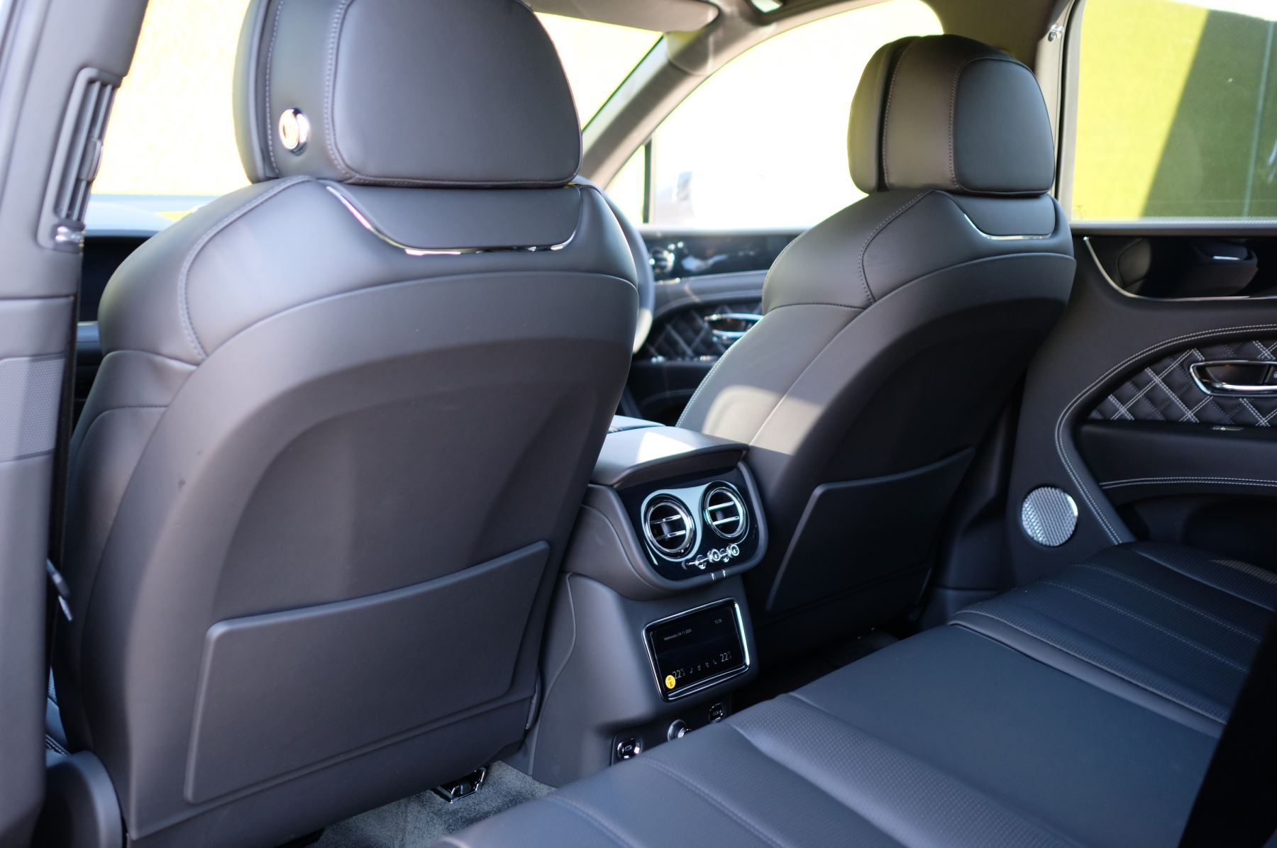 Bentley Bentayga 4.0 V8 First Edition 5dr Auto - Mulling Driving Specification image 13