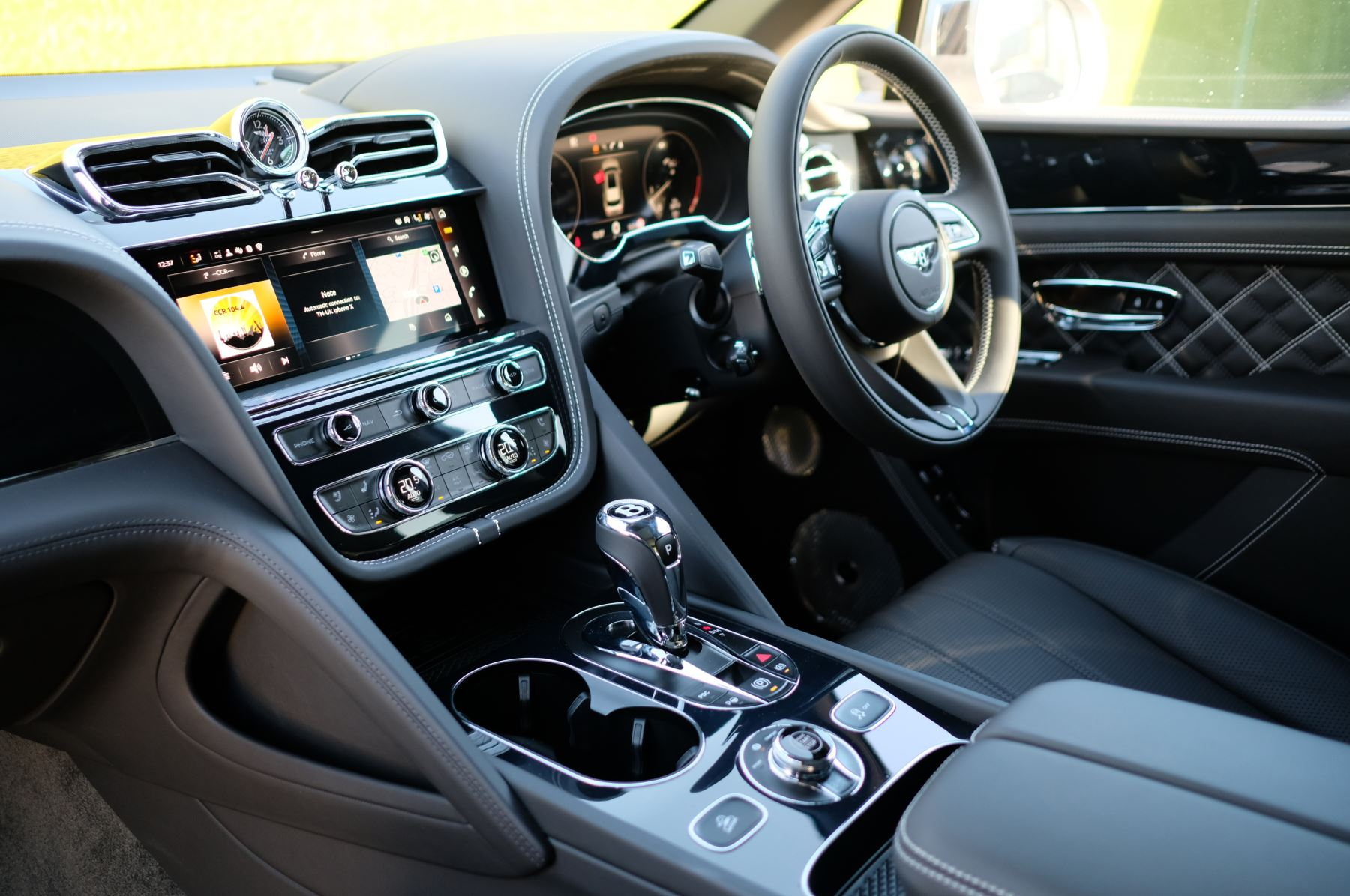 Bentley Bentayga 4.0 V8 First Edition 5dr Auto - Mulling Driving Specification image 11
