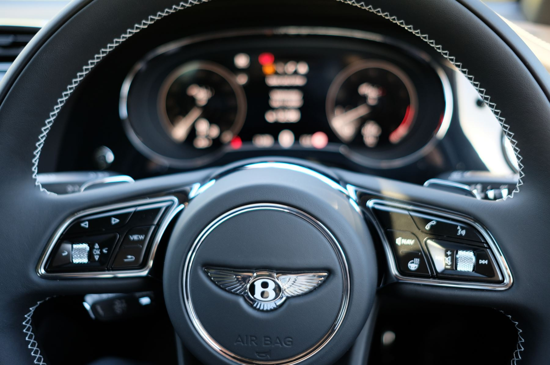Bentley Bentayga 4.0 V8 First Edition 5dr Auto - Mulling Driving Specification image 20