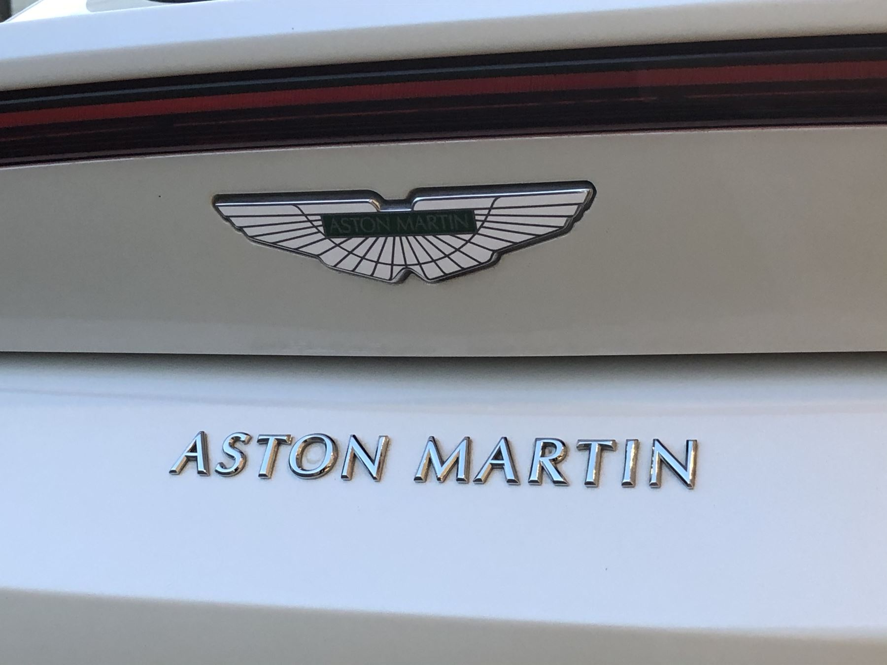 Aston Martin New Vantage 2dr ZF 8 Speed image 14