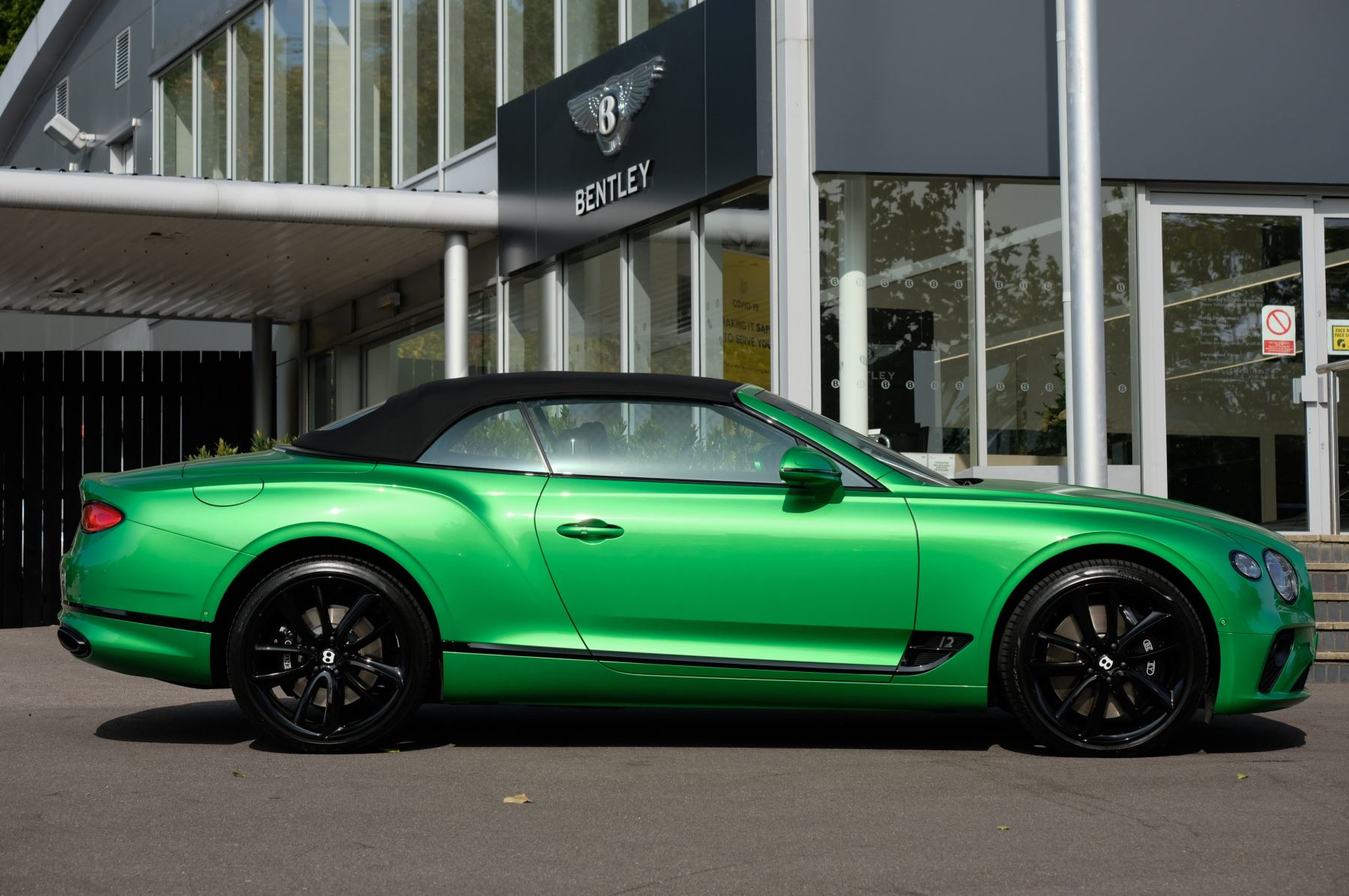 Bentley Continental GTC 6.0 W12 2dr Mulliner Driving Specification image 3