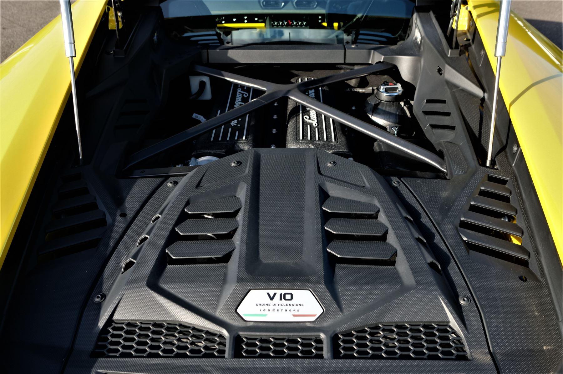 Lamborghini Huracan EVO 5.2 V10 610 2dr Auto RWD image 8