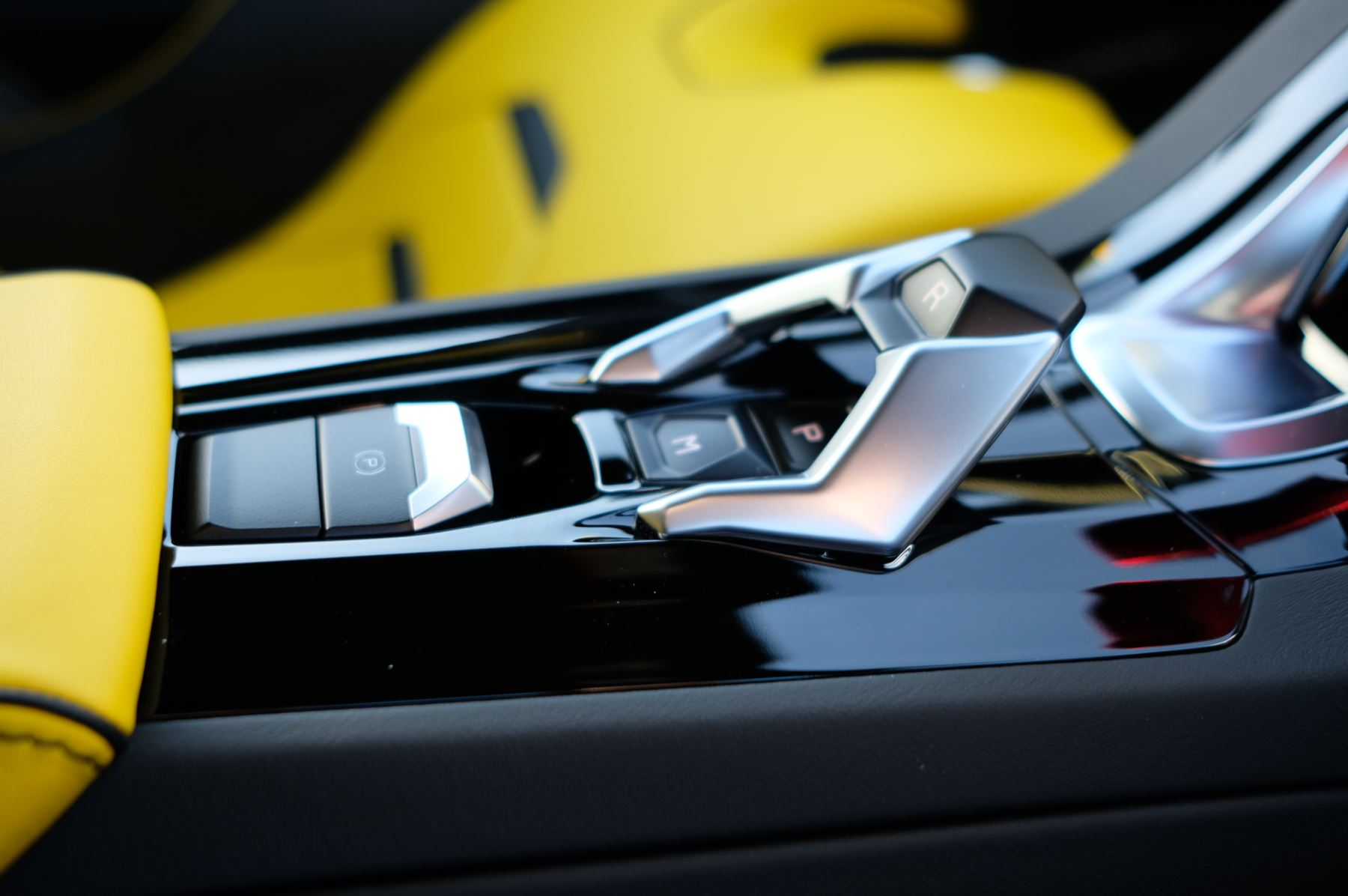 Lamborghini Huracan EVO 5.2 V10 610 2dr Auto RWD image 21