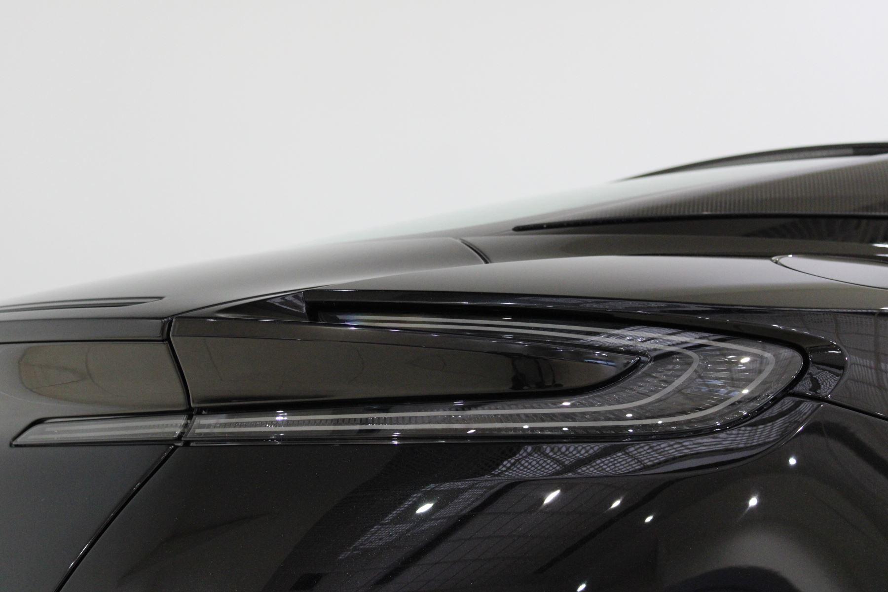 Aston Martin DB11 AMR Touchtronic image 24
