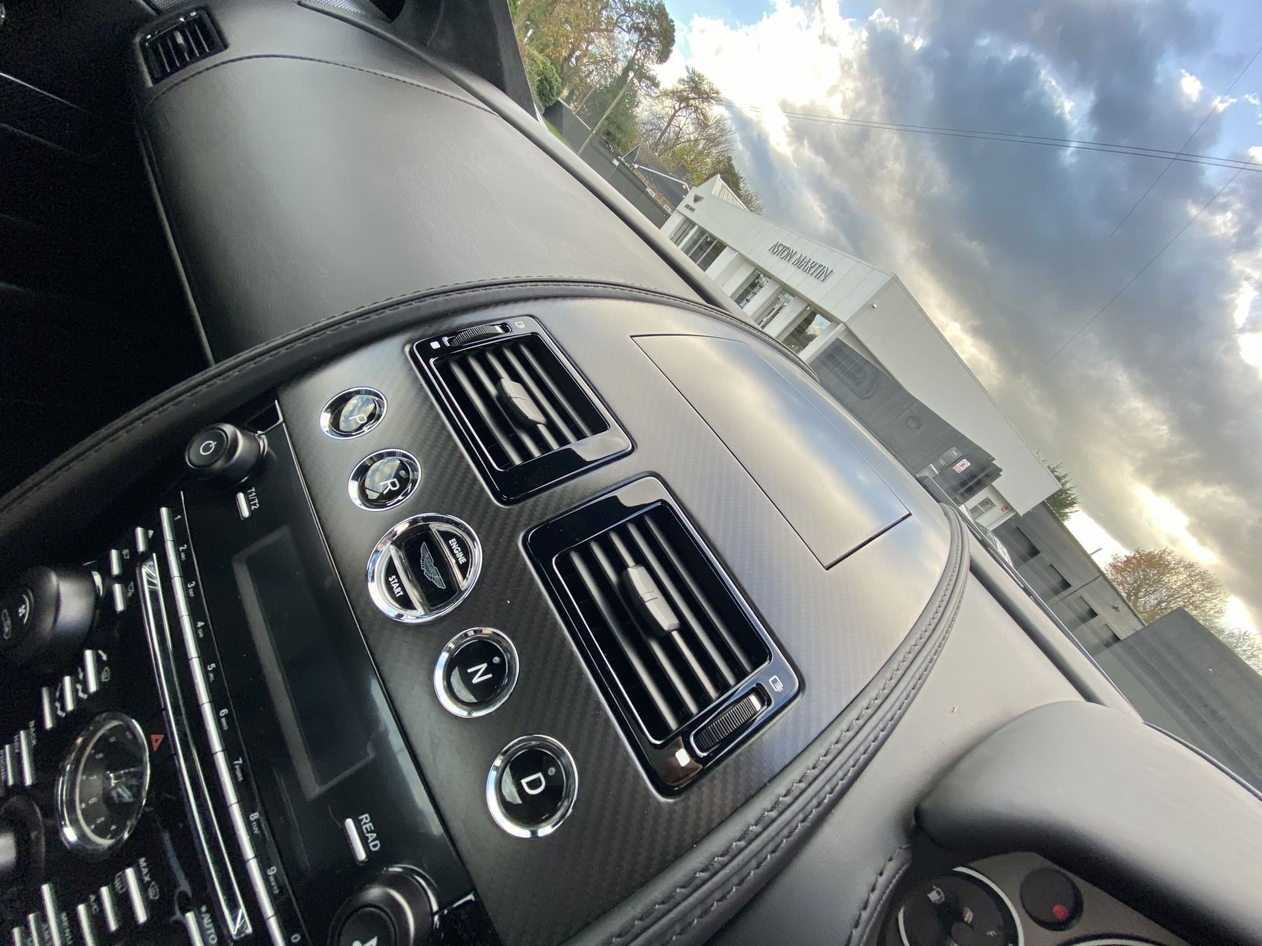 Aston Martin DB9 Carbon Edition V12 2dr Touchtronic image 16