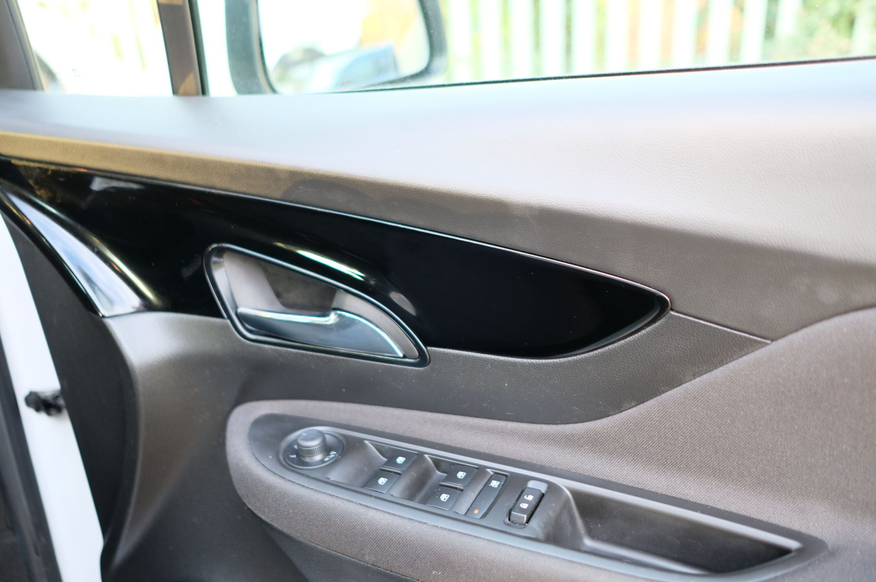 Vauxhall Mokka X 1.4T Active 5dr image 14