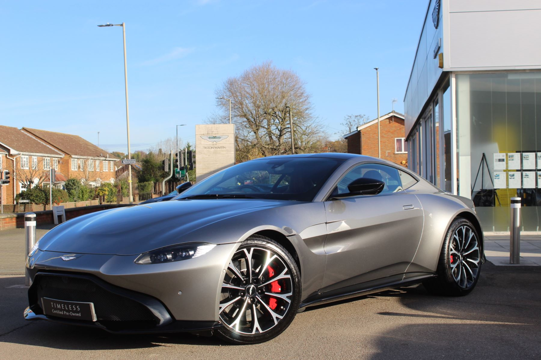 Aston Martin New Vantage 2dr ZF 8 Speed 4.0 Automatic 3 door Coupe (2018) image